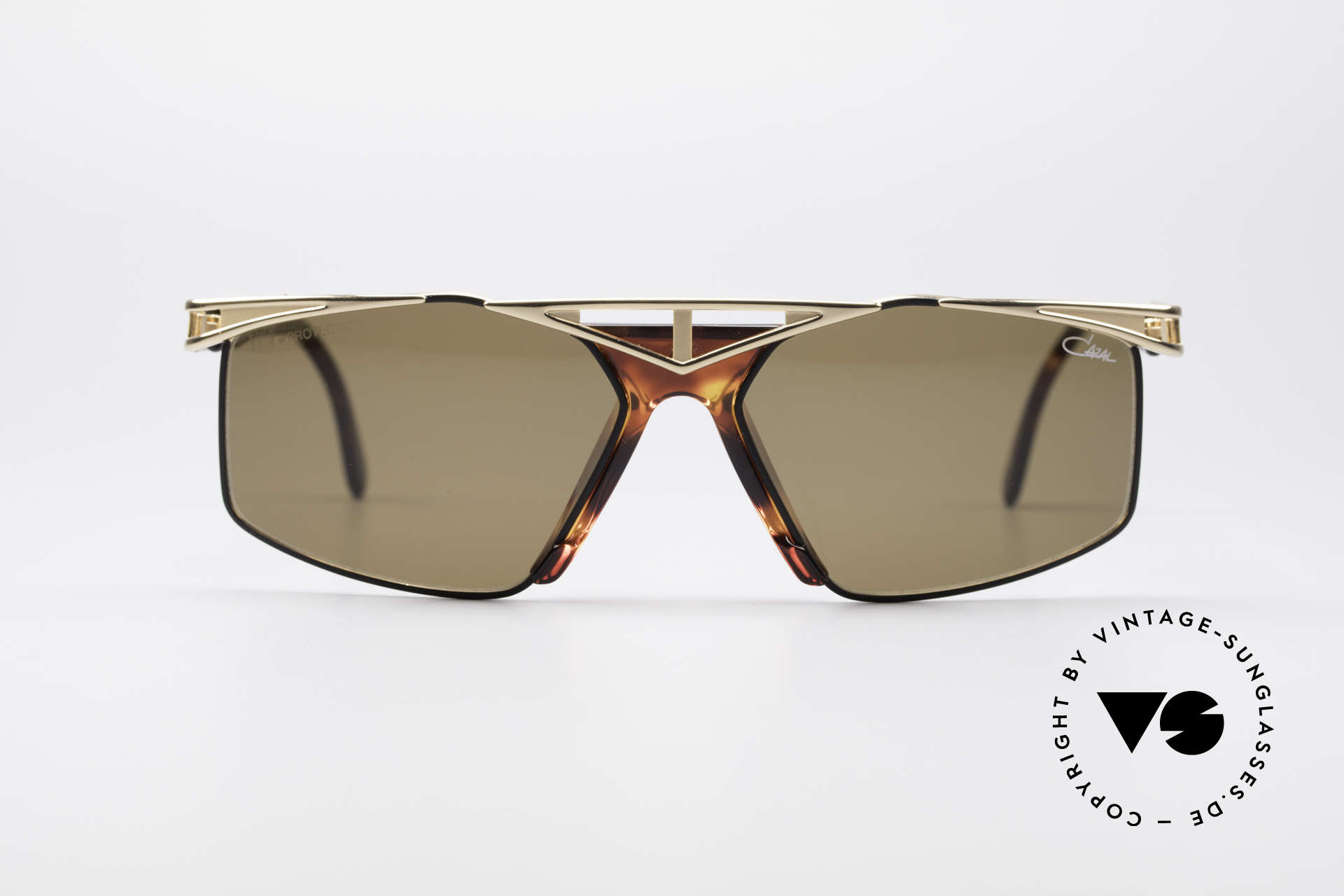 Cazal 962 90s Designer Sunglasses, top wearing comfort thanks to 1st class craftsmanship, Made for Men and Women
