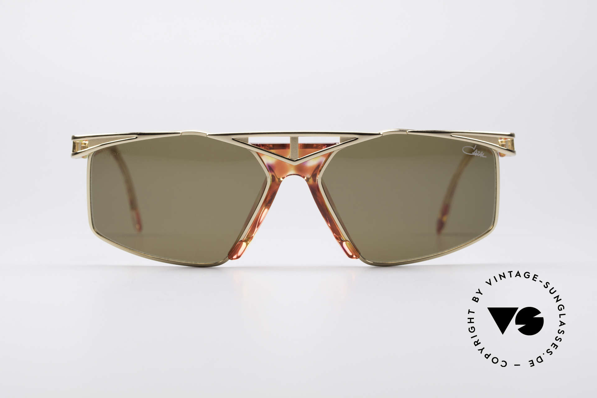 Cazal 962 Sporty Vintage Shades, top wearing comfort thanks to 1st class craftsmanship, Made for Men and Women