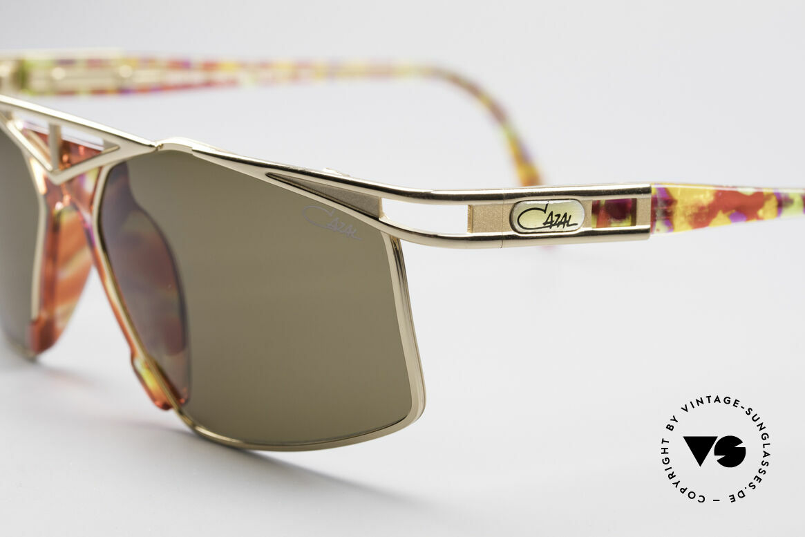 Cazal 962 Sporty Vintage Shades, unworn; NOS (like all our old vintage CAZAL originals), Made for Men and Women