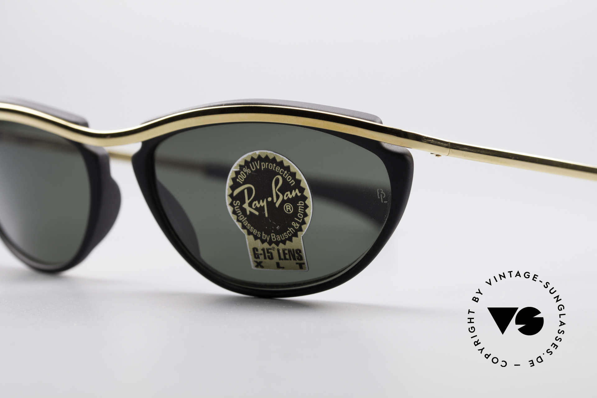 Ray Ban Olympian IV Authentic 90's B&L USA Shades, unworn (like all our old sunglasses by RAY-BAN), Made for Men and Women