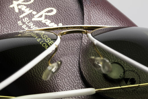 Ray Ban Large Metal II Flying Colors Limited Edition, never worn (like all our rare vintage Ray-Bay eyewear), Made for Men