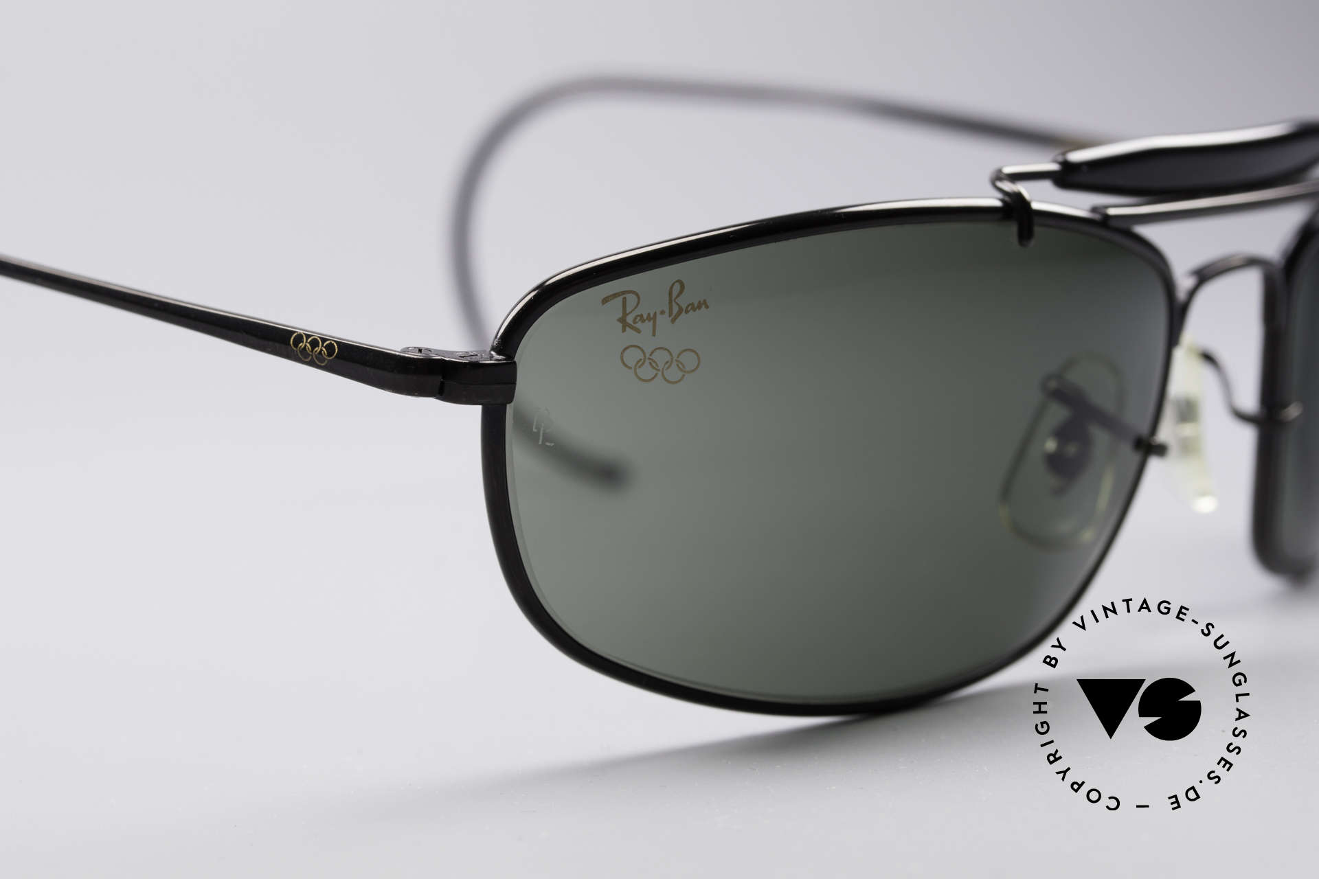 Ray Ban Sport Metal 1994 Olympic Series B&L USA, perfect fit due to flexible sport temples and sports band, Made for Men