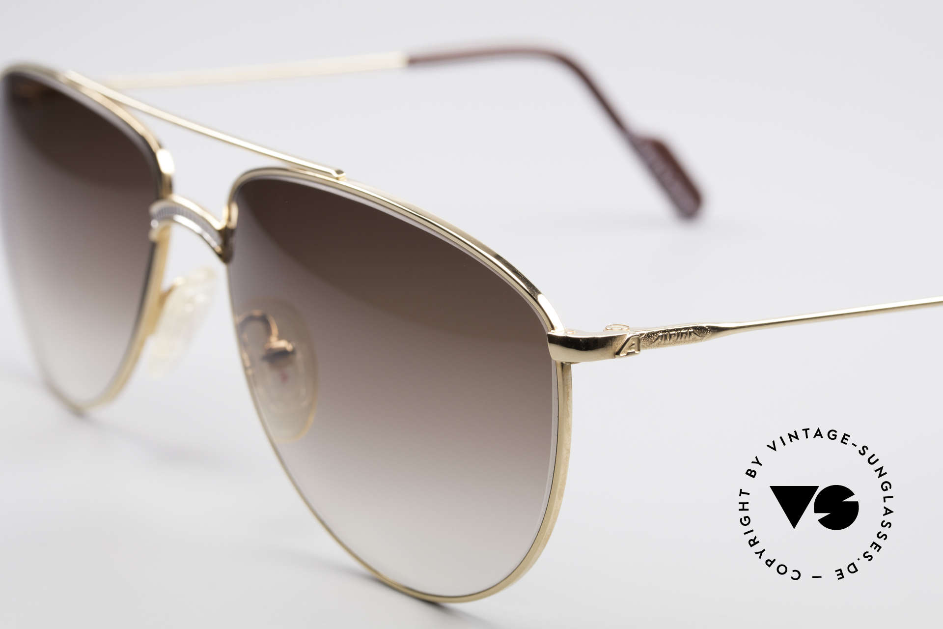Alpina FM81 Vintage Classic 80's Shades, unworn, one of a kind (like all our vintage Alpina specs), Made for Men
