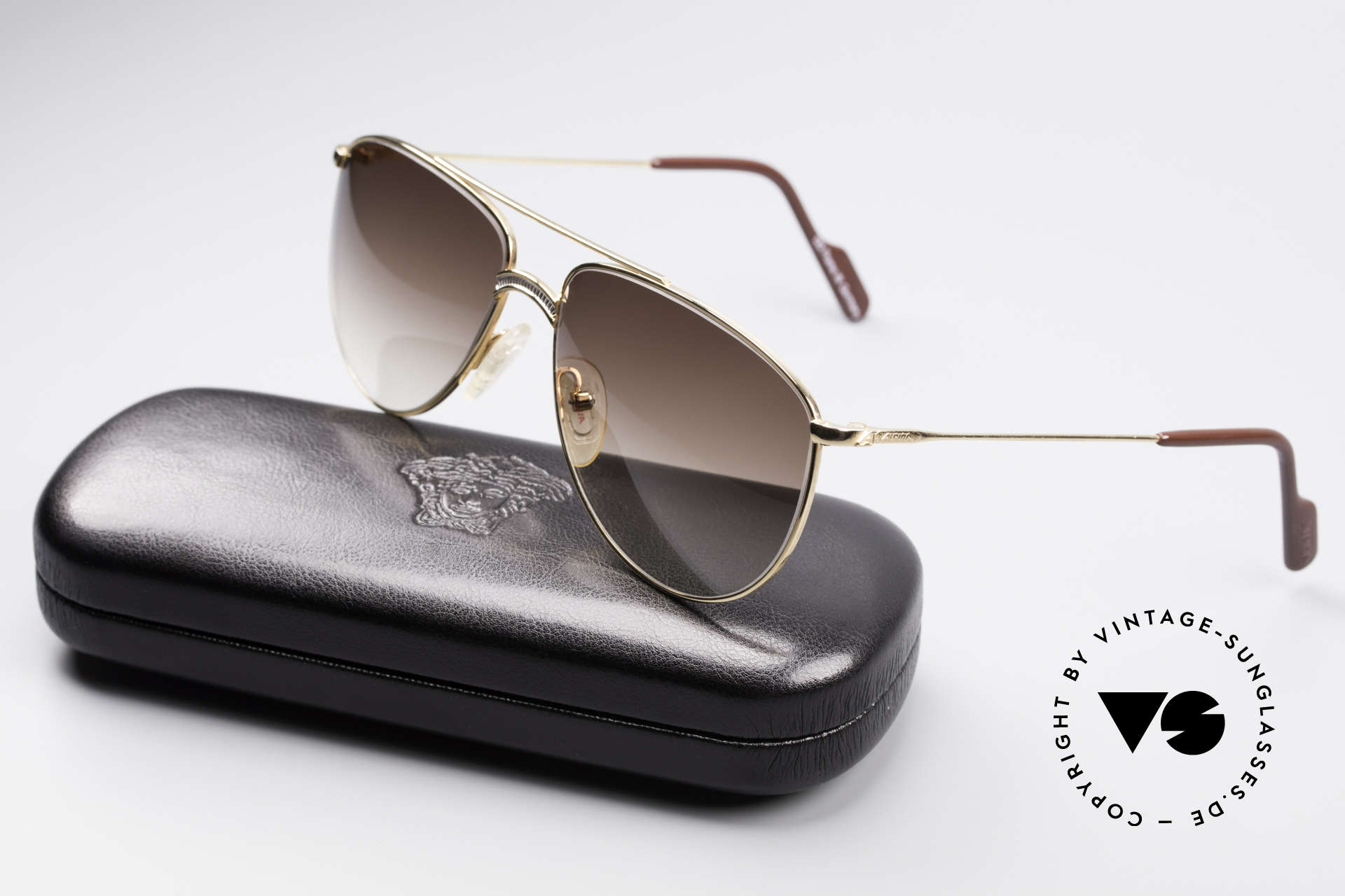 Alpina FM81 Vintage Classic 80's Shades, the frame is made for lenses of any kind (optical or sun), Made for Men