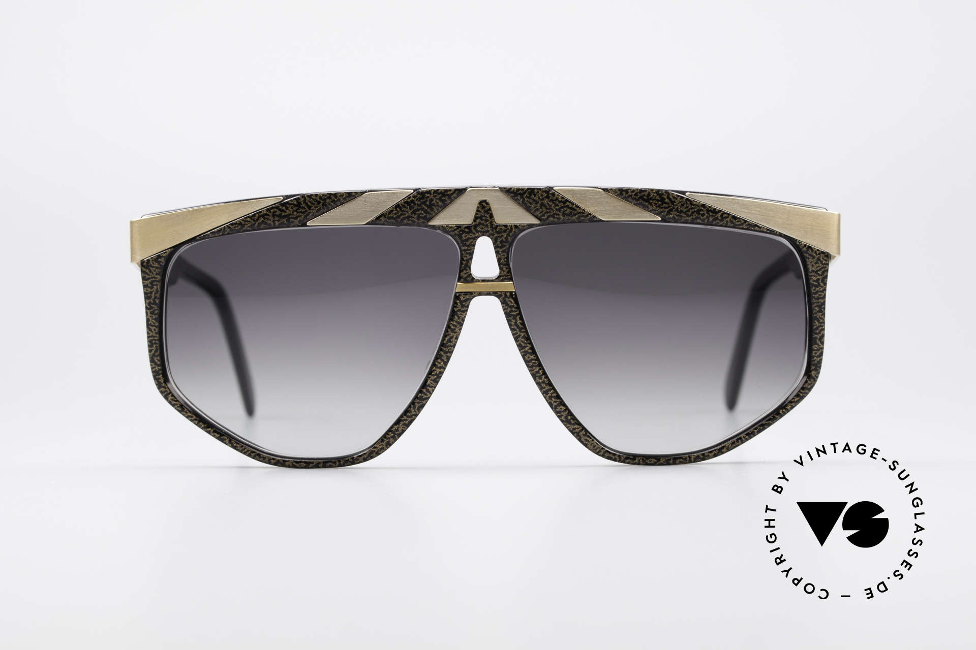 Alpina G82 No Retro Sunglasses Old 80's, conspicuous frame design with ornamenting details, Made for Men and Women