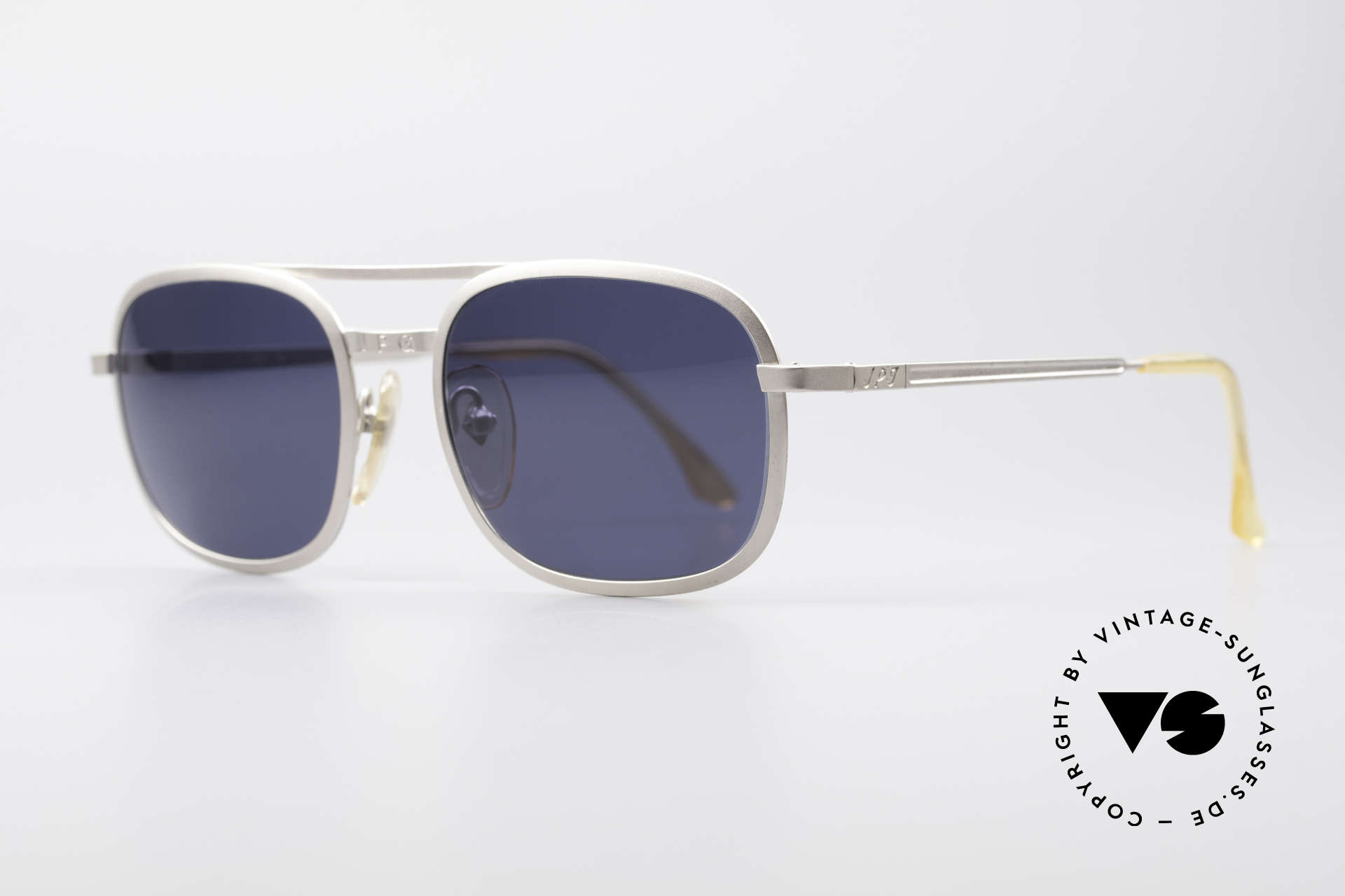 Jean Paul Gaultier 56-1172 Classic Timeless Sunglasses, flexible spring hinges for a 1st class wearing comfort, Made for Men