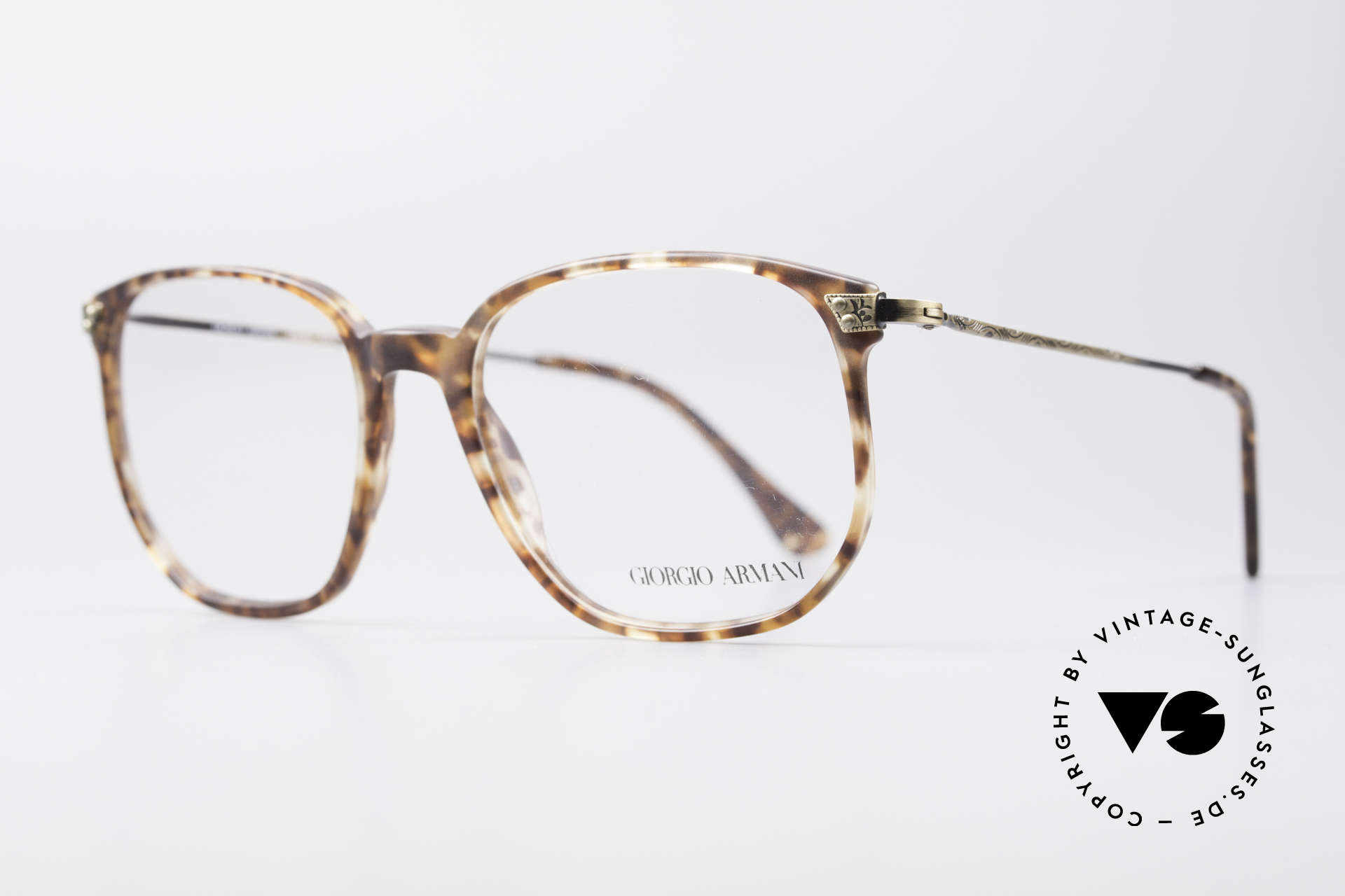 Giorgio Armani 335 True Vintage Eyeglasses, great pattern and temples with costly engravings, Made for Men and Women