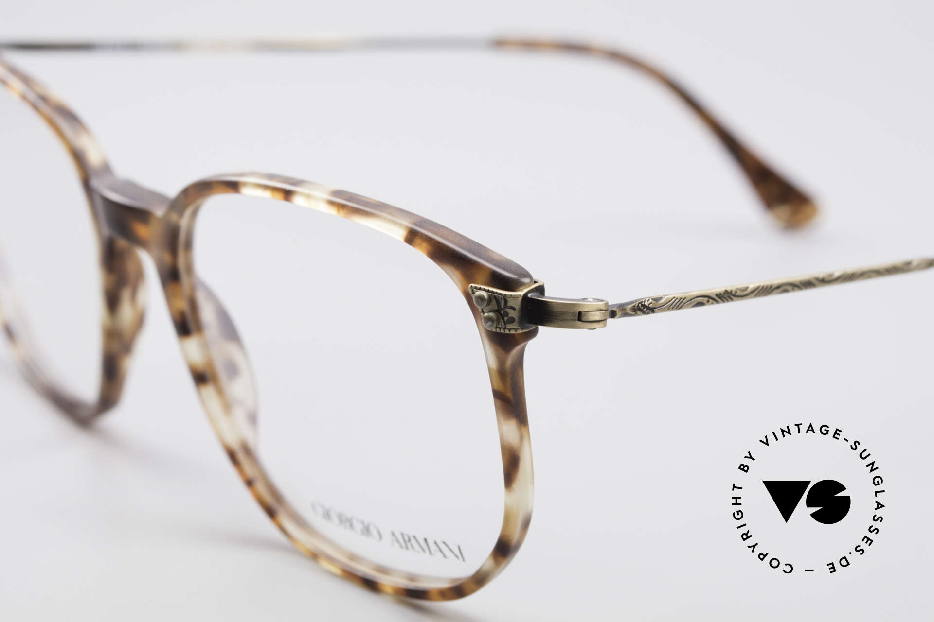 Giorgio Armani 335 True Vintage Eyeglasses, frame is made for lenses of any kind (optical/sun), Made for Men and Women