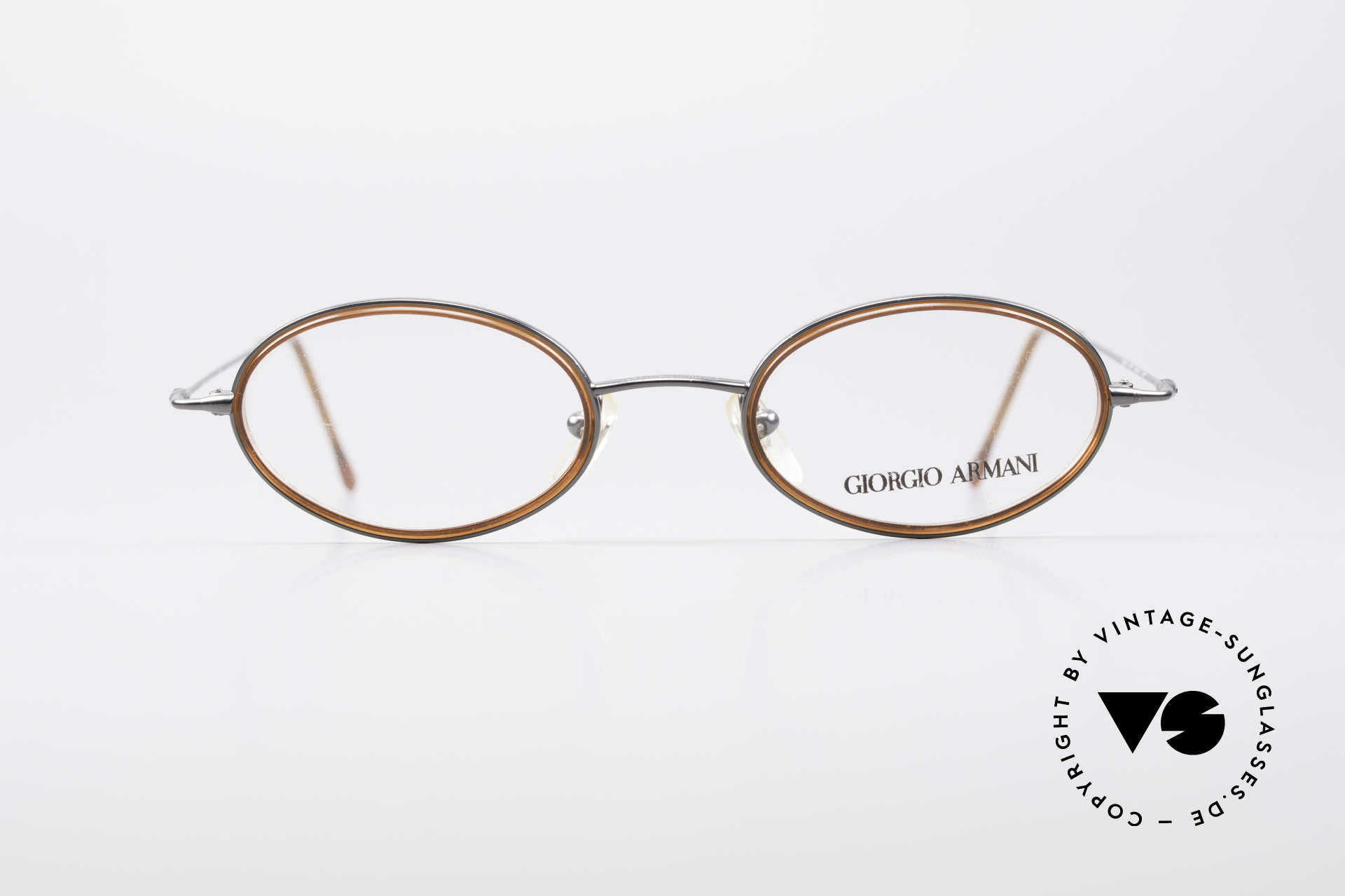 Giorgio Armani 1012 Oval Vintage Unisex Frame, discreet oval metal frame in tangible top-quality, Made for Men and Women