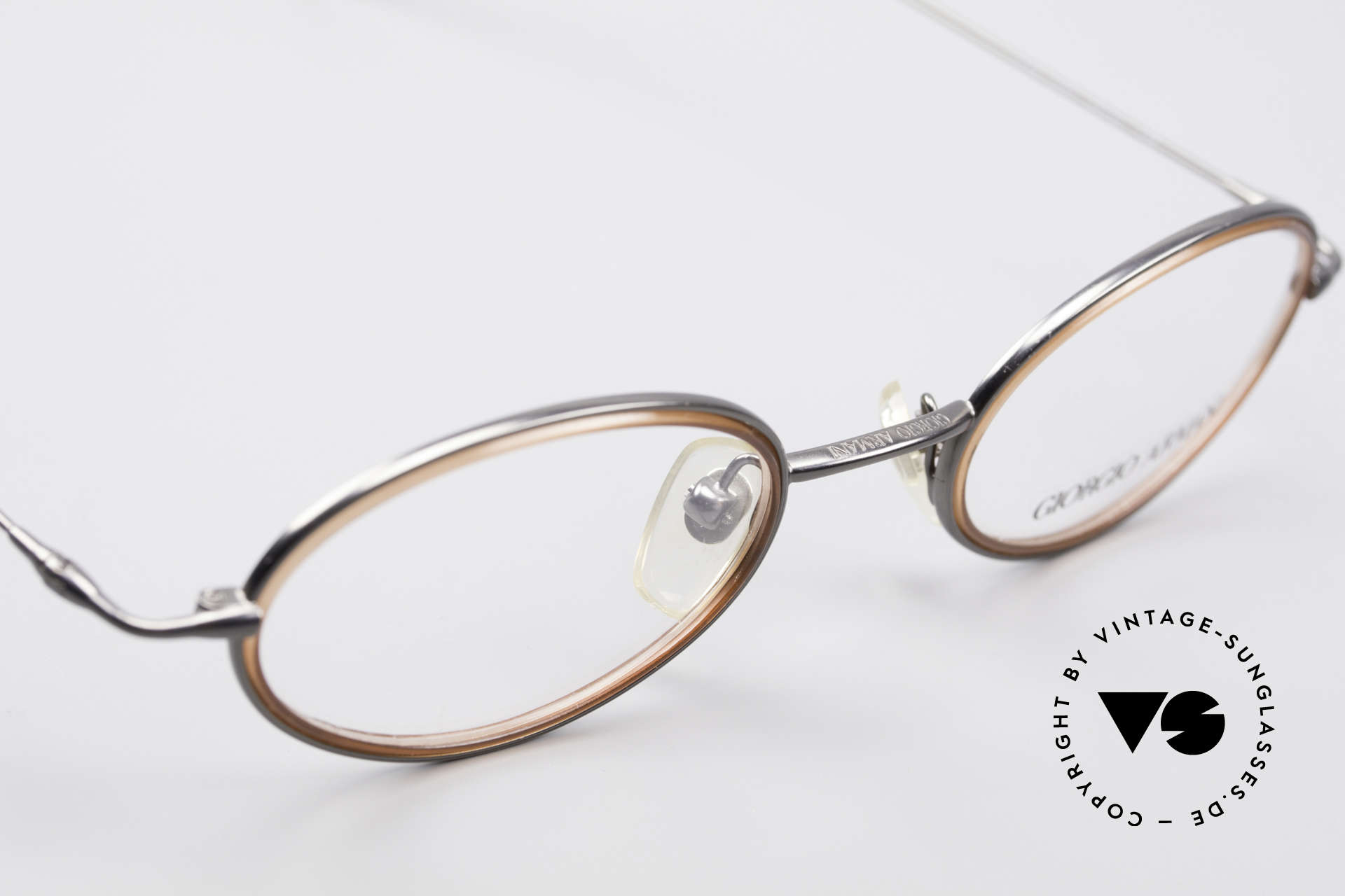 Giorgio Armani 1012 Oval Vintage Unisex Frame, NO RETRO EYEWEAR, but a 30 years old Original, Made for Men and Women