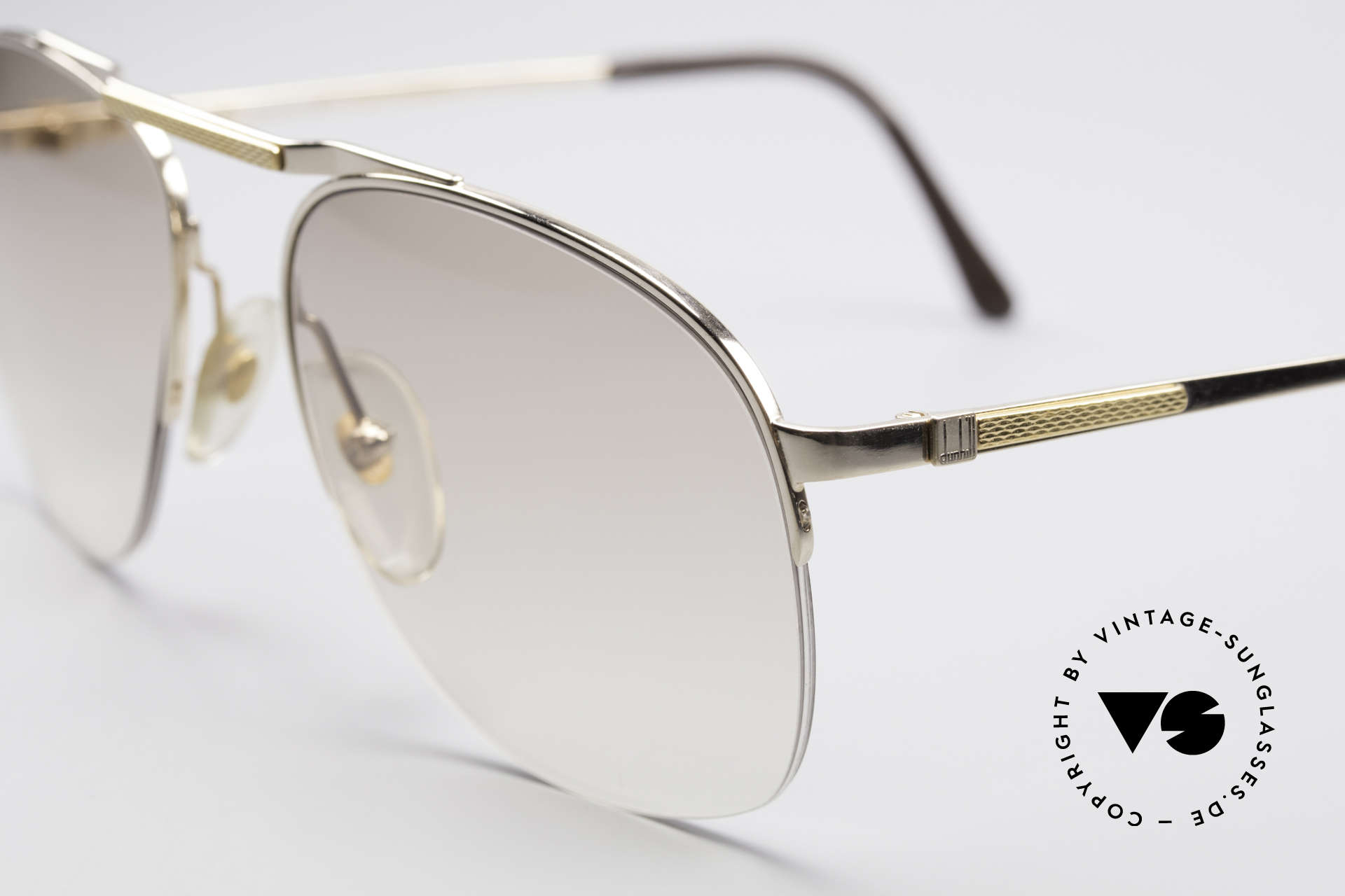 Dunhill 6022 Rare 80's Gentlemen's Frame, semi rimless (lightweight and very pleasant to wear), Made for Men