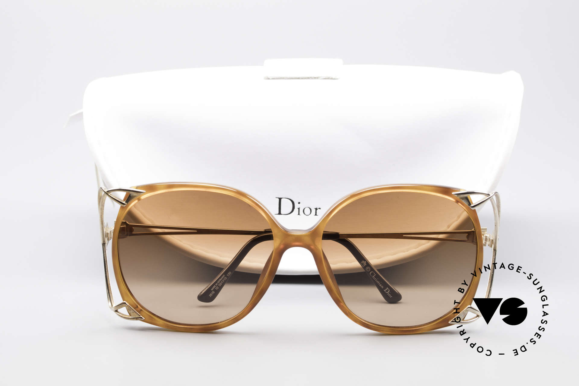 Christian Dior 2616 80's Ladies Sunglasses XXL, XXL frame could be glazed with optical lenses, too, Made for Women