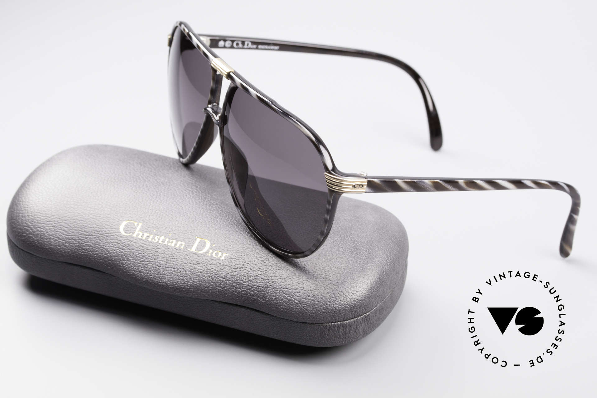 Christian Dior 2300 80's Monsieur Sunglasses, frame in size 60/11 with noble 'horn/black' coloring, Made for Men