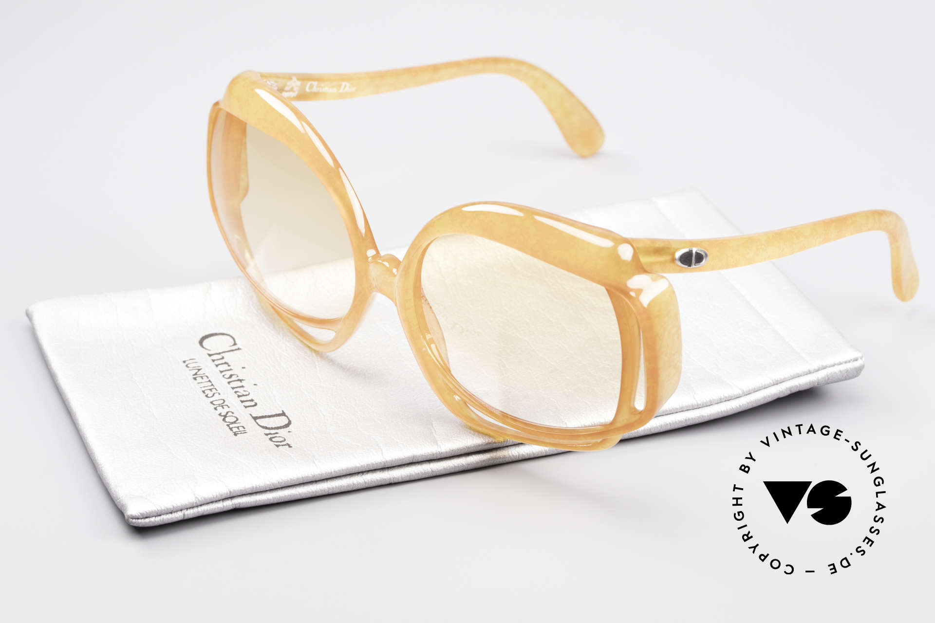 Christian Dior 2026 XXL Oversized 70's Shades, Size: small, Made for Women