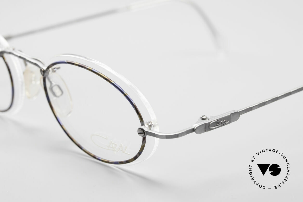 Cazal 770 Oval Vintage Frame No Retro, never worn (like all our VINTAGE CAZAL eyewear), Made for Men and Women