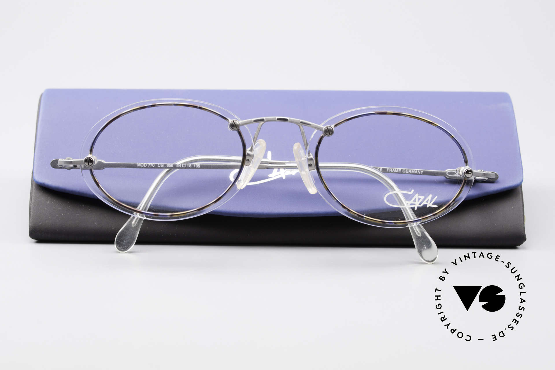 Cazal 770 Oval Vintage Frame No Retro, Size: medium, Made for Men and Women