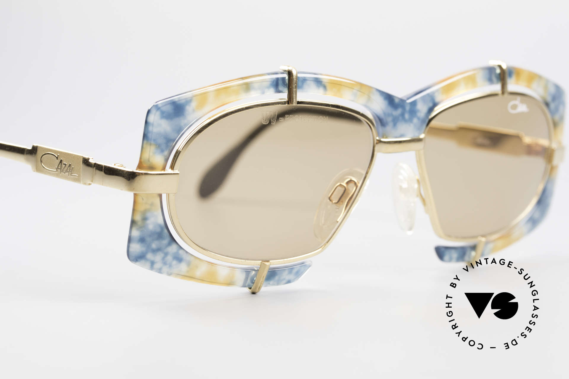 Cazal 872 Flashy Haute Couture Shades, unworn (like all our rare vintage Cazal 90's eyewear), Made for Men and Women