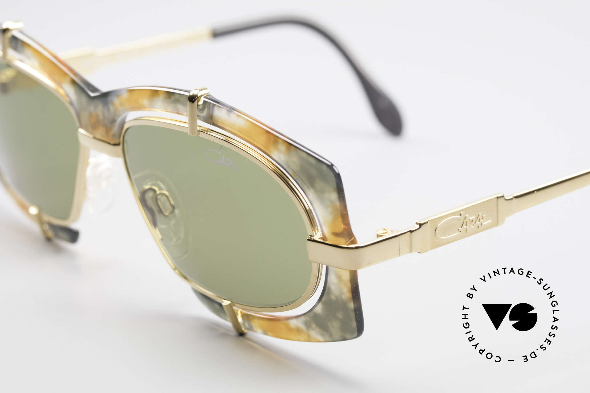 Cazal 872 Extraordinary 90's Shades, thus, a sought-after HIP-HOP sunglasses, worldwide, Made for Men and Women