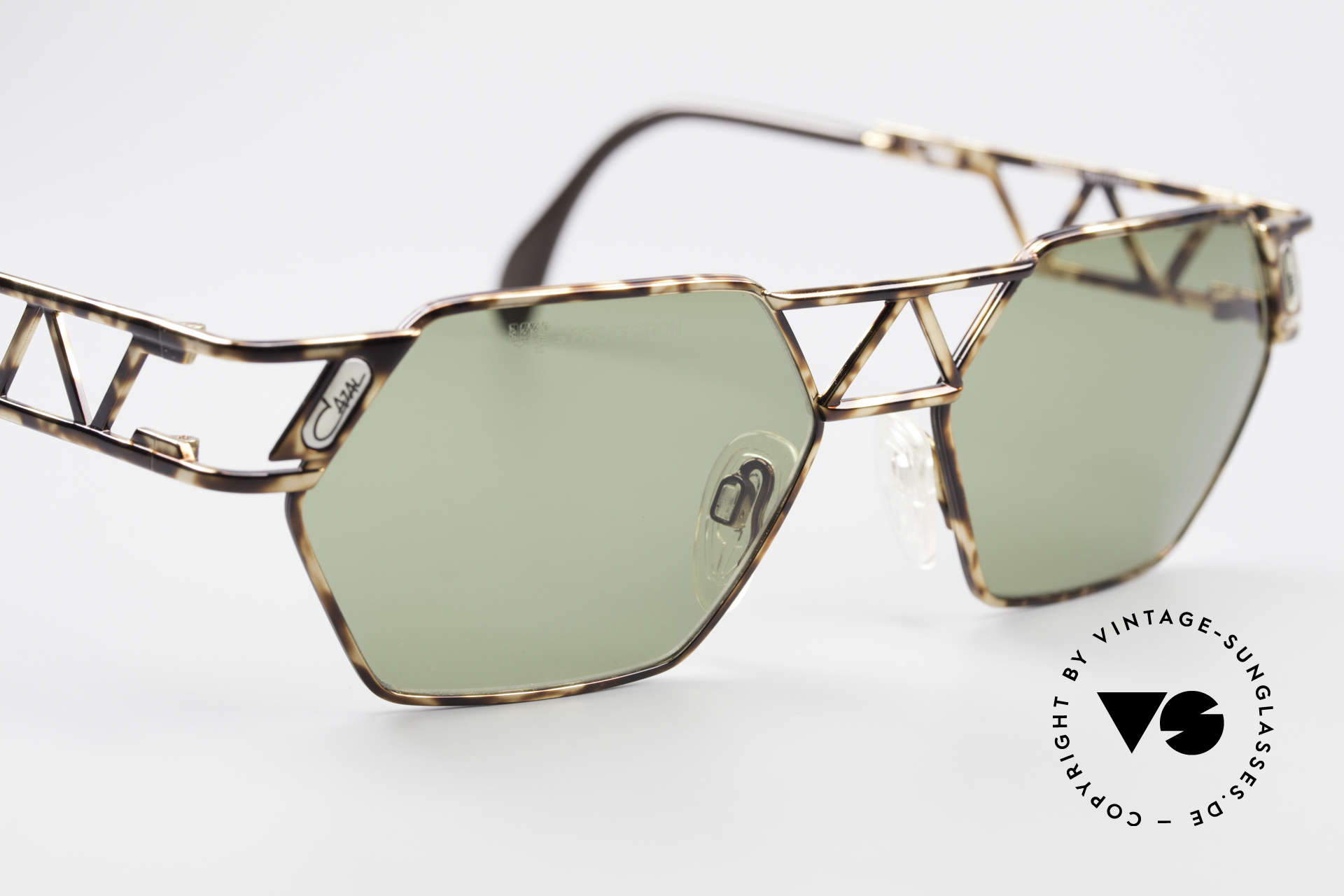 Cazal 960 Vintage Designer Sunglasses, NO retro fashion, but a precious 25 years old ORIGINAL, Made for Men and Women