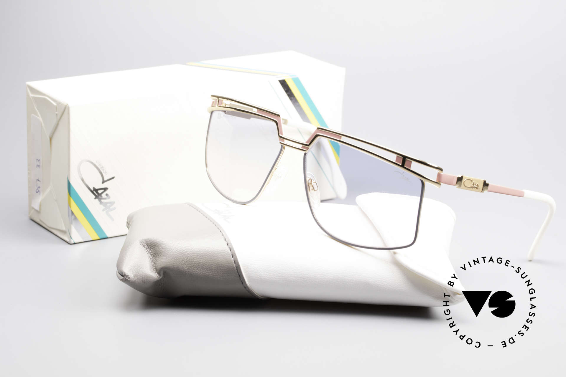 Cazal 957 XLarge HipHop Vintage Shades, NO RETRO or re-issue, but a precious 30 years old rarity, Made for Men and Women