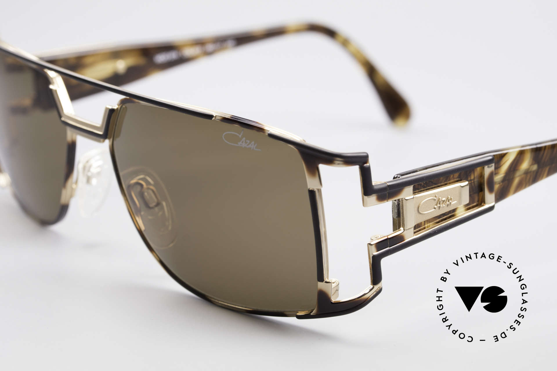 Cazal 974 Designer Shades Ladies Gents, tangible (made in Germany) premium quality; 100% UV, Made for Men and Women