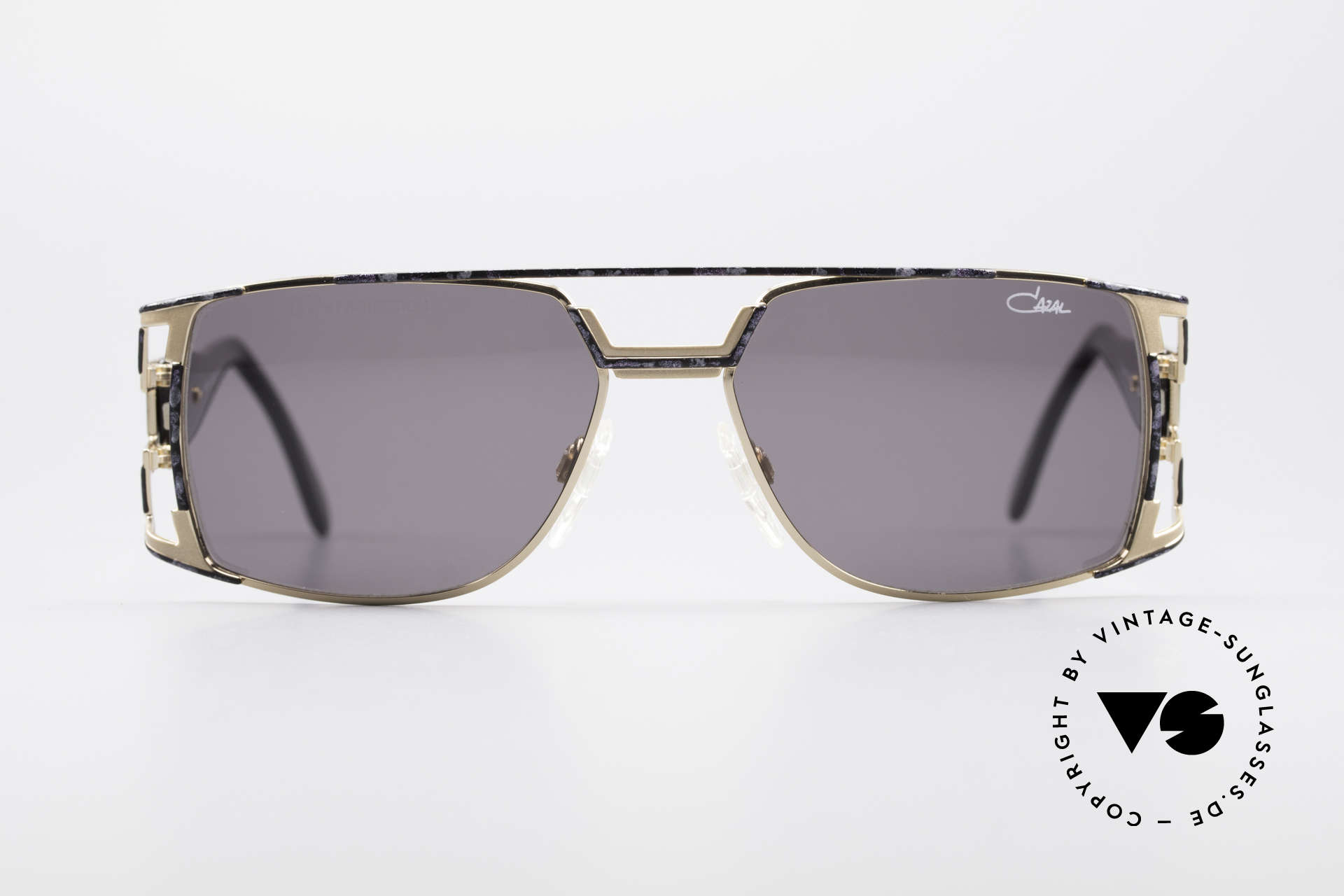 Cazal 974 Unisex Shades Ladies Men, great combination of design elements and materials, Made for Men and Women