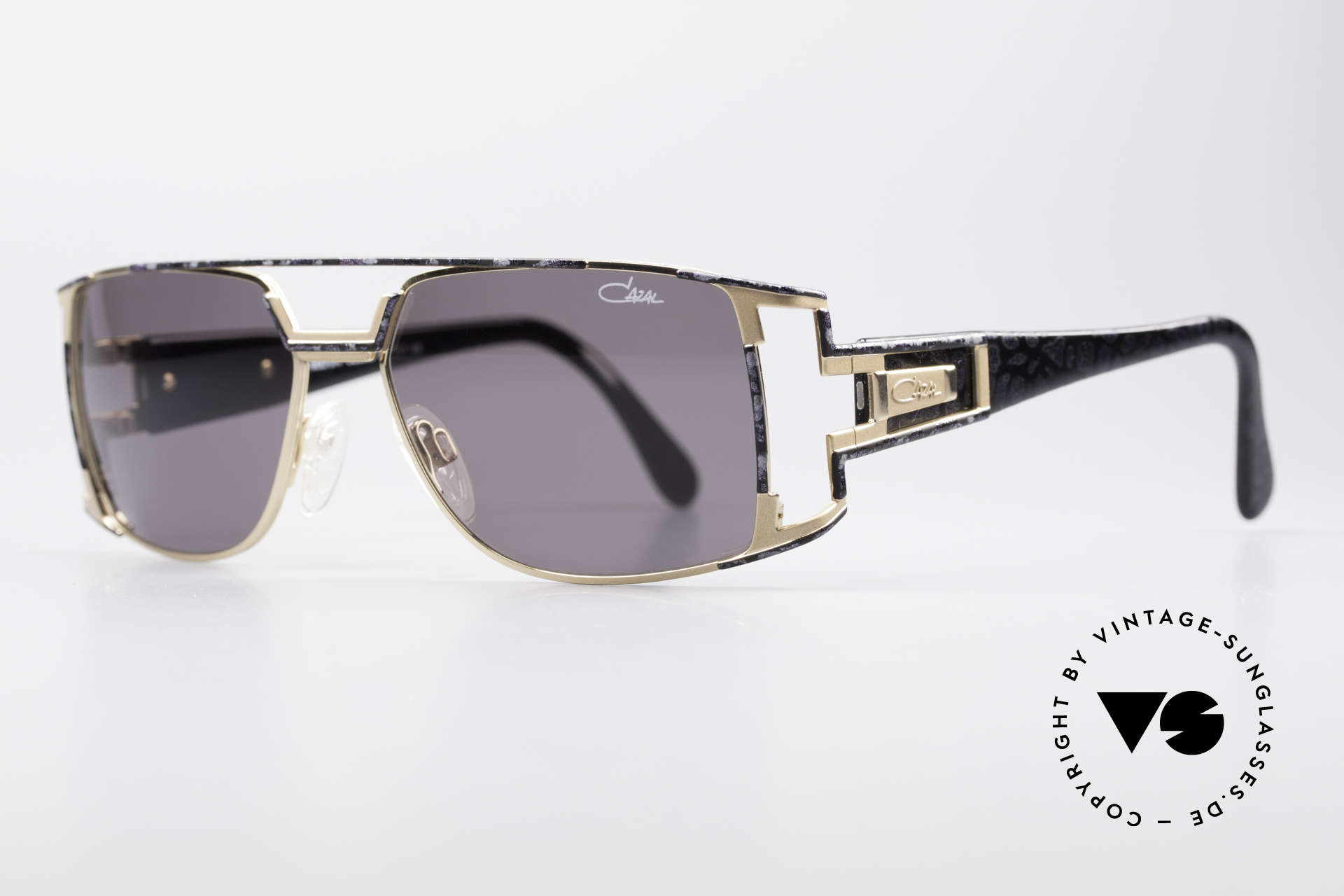 Cazal 974 Unisex Shades Ladies Men, in addition a very noble color concept: violet mottled, Made for Men and Women