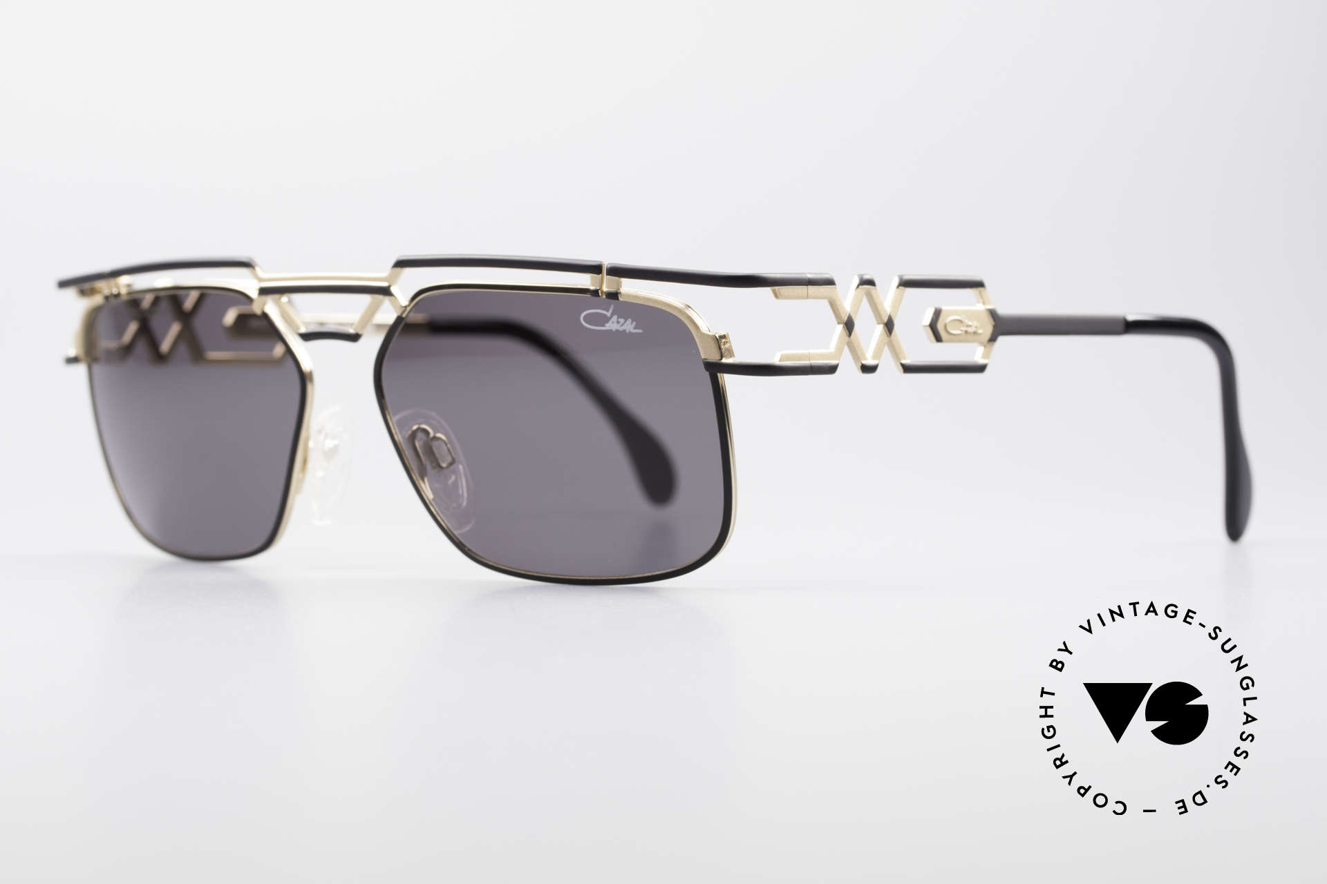 Cazal 973 90's Sunglasses Ladies Gents, elegant and interesting coloring / pattern (black - gold), Made for Men and Women