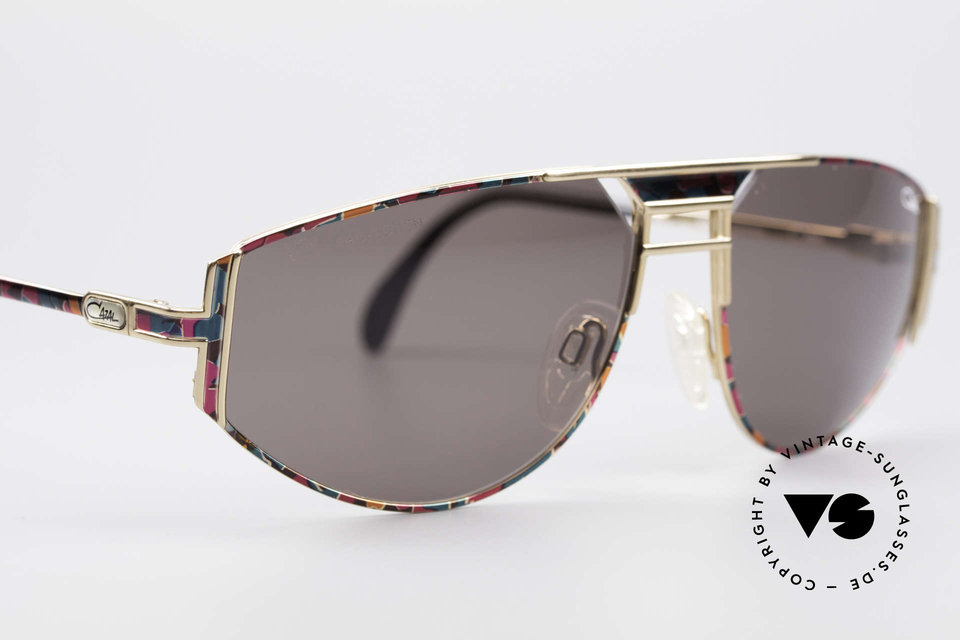 Cazal 964 True 90's No Retro Sunglasses, perfect frame for an individual look; cult sunglasses!, Made for Men and Women