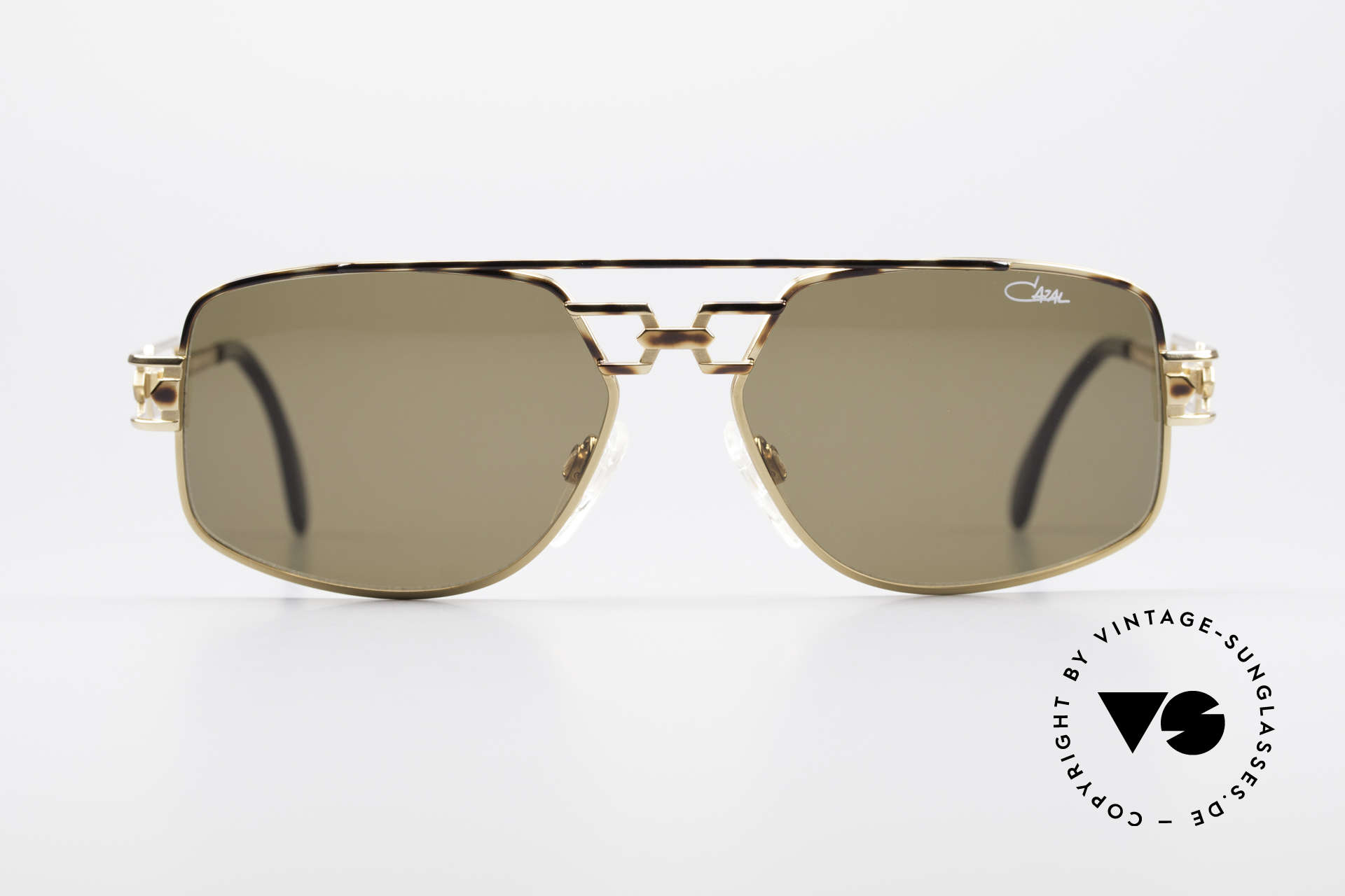 Cazal 972 Rare Designer Sunglasses 90's, high-end quality 'made in GERMANY' (crafted in Passau), Made for Men and Women