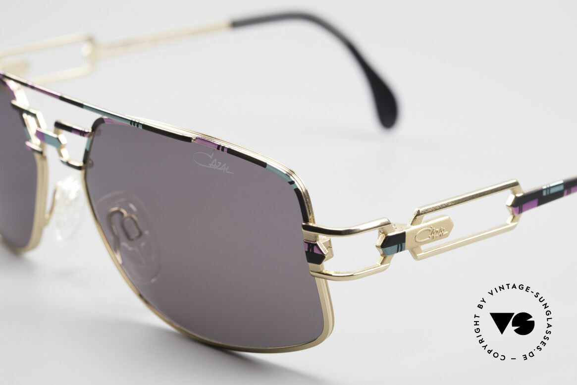 Cazal 972 No Retro Shades True Vintage, unworn, new old stock (like all our vintage Cazal shades), Made for Men and Women