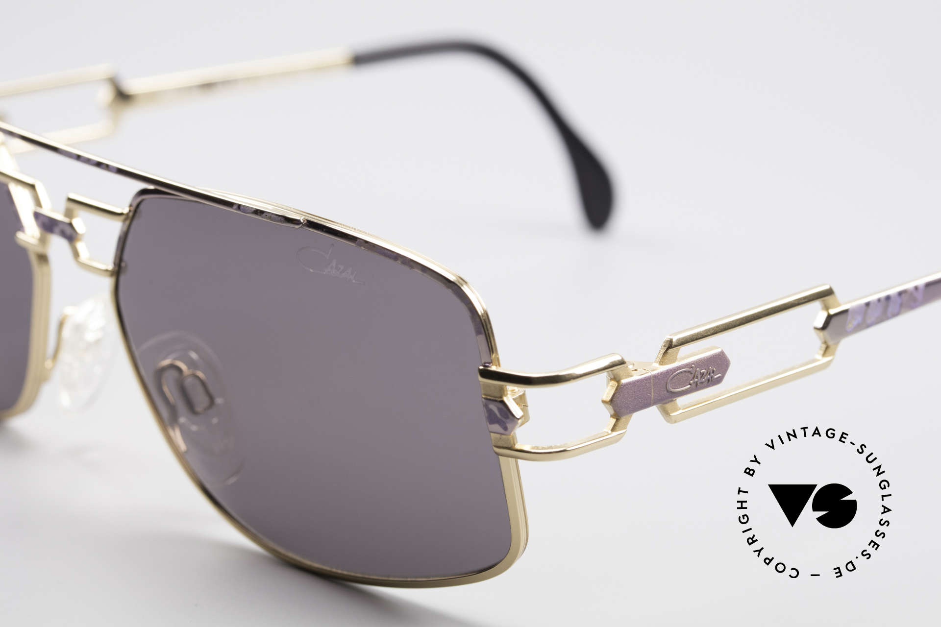 Cazal 972 True Vintage Shades No Retro, unworn, new old stock (like all our vintage Cazal shades), Made for Men and Women