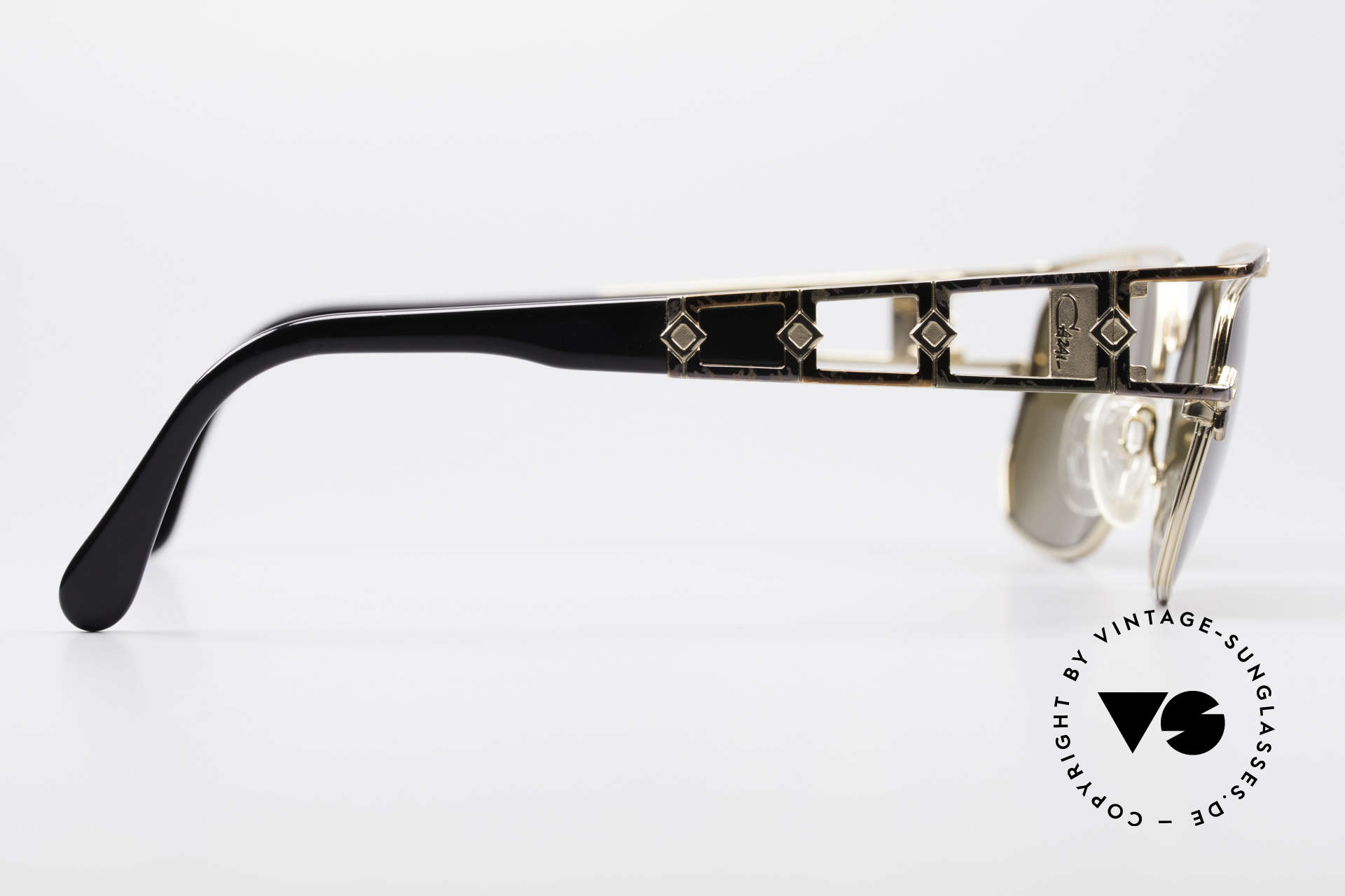 Cazal 979 Ladies Sunglasses Vintage, NO RETRO glasses, but an authentic old original!, Made for Women