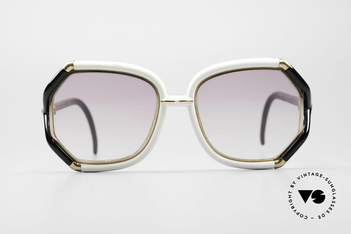 Ted Lapidus B02 70's Designer Sunglasses, black/white frame with golden appliqué - just fancy!!, Made for Women