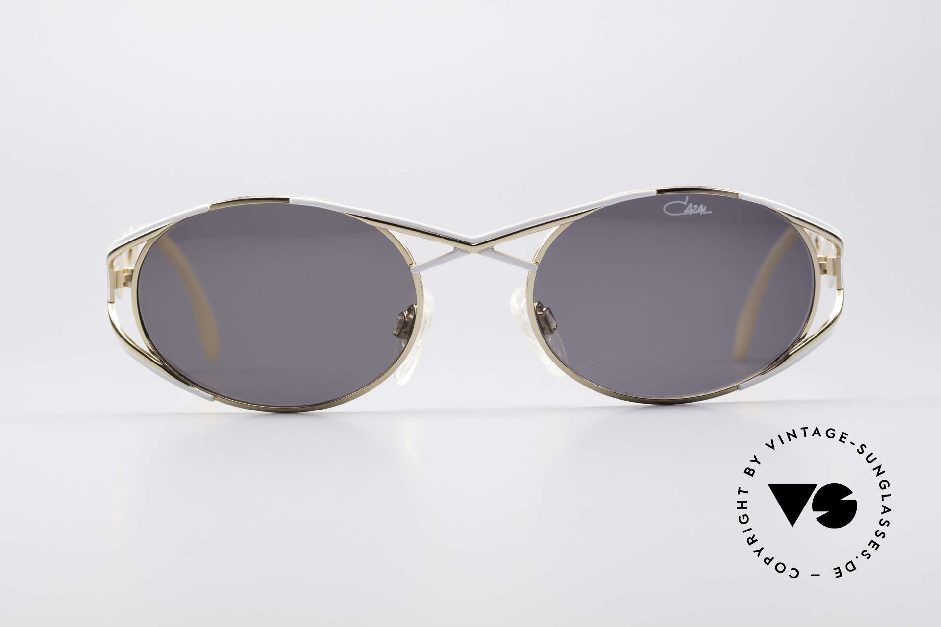 Cazal 977 90's Designer Shades Women, very elegant frame paintwork in gold-white coloring, Made for Women