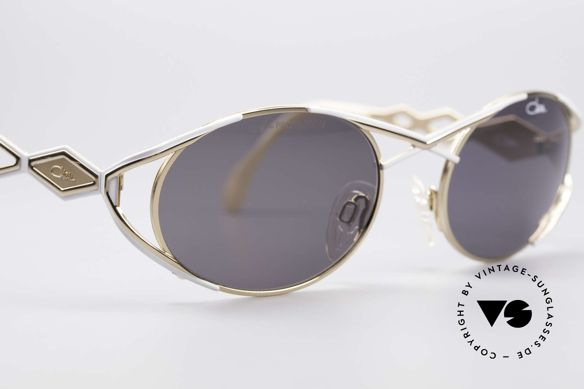 Cazal 977 90's Designer Shades Women, never worn (like all our vintage sunglasses by Cazal), Made for Women
