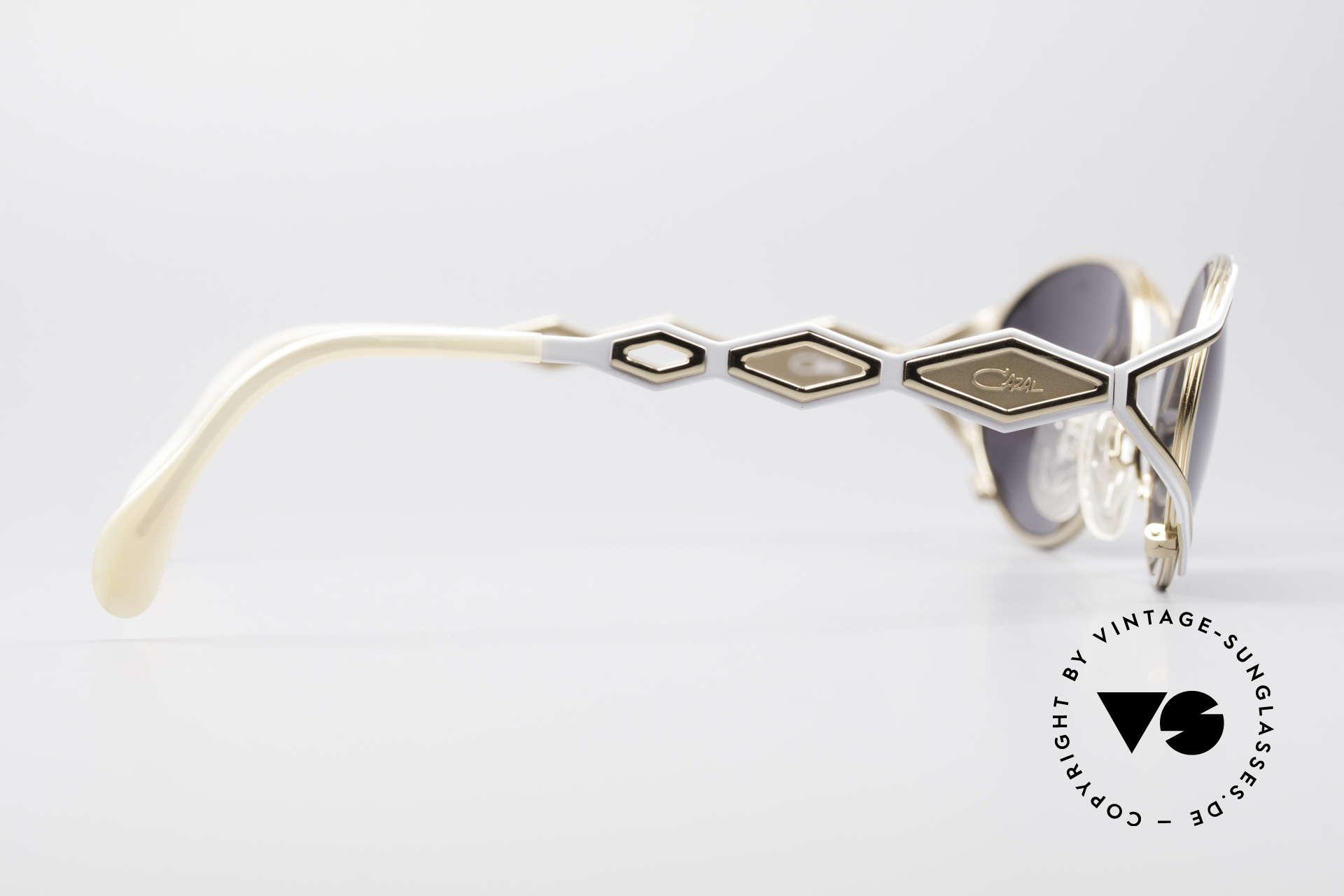 Cazal 977 90's Designer Shades Women, NO RETRO SUNGLASSES, but a unique old RARITY!, Made for Women