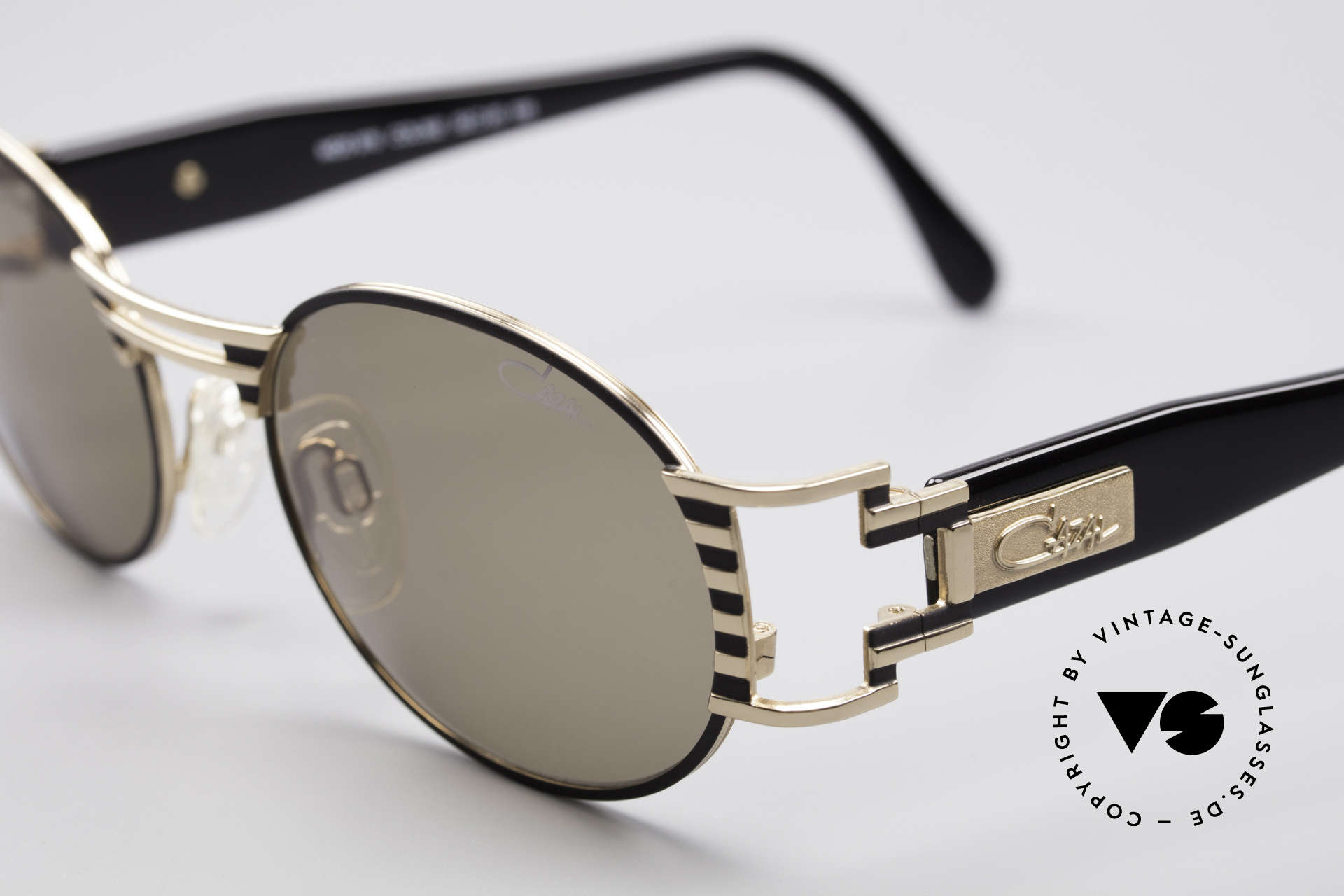 Cazal 976 90's Vintage Sunglasses Oval, original CAZAL lenses with 'UV Protection' mark, Made for Men and Women