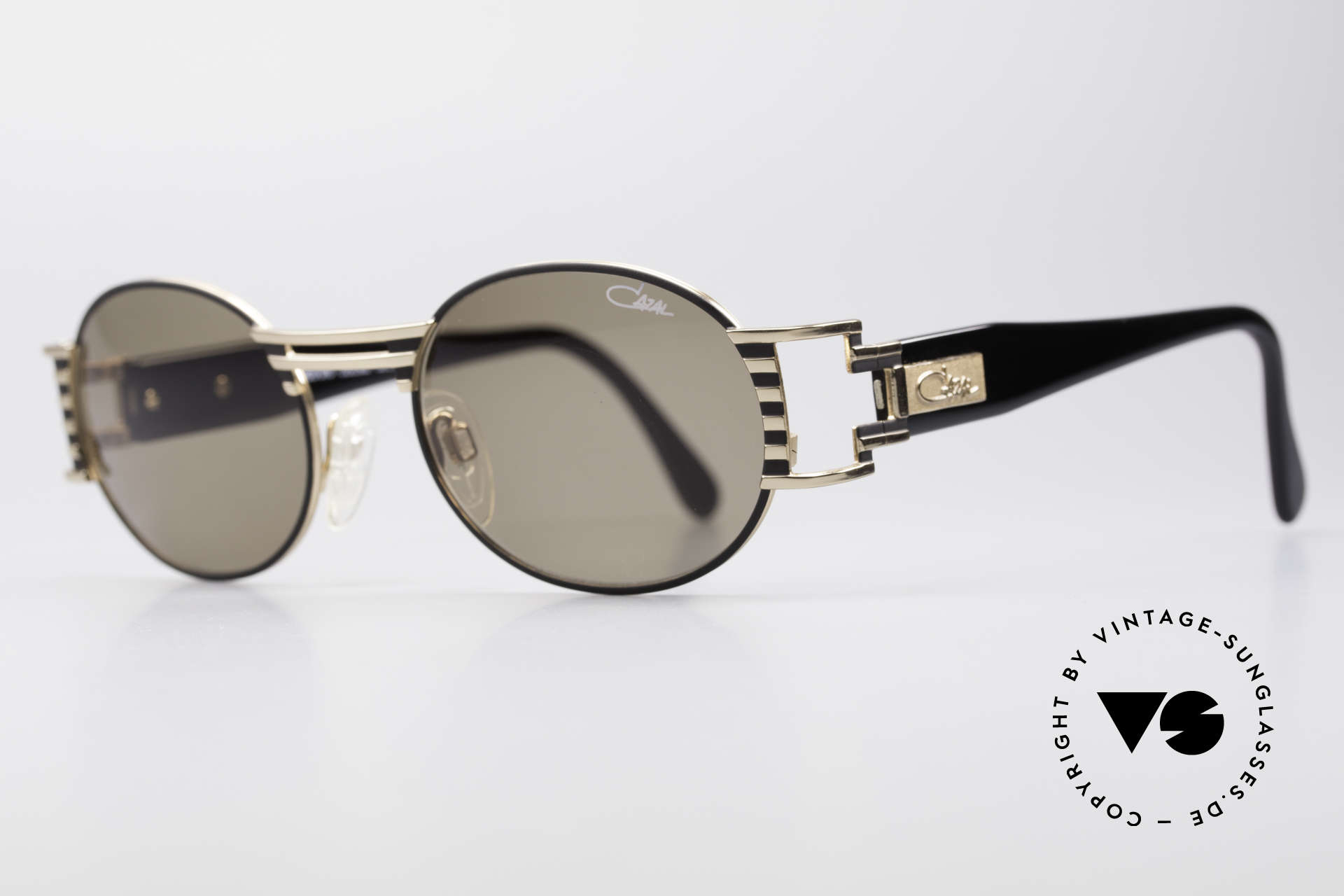 Cazal 976 90's Vintage Sunglasses Oval, best craftmanship and 1st class wearing comfort, Made for Men and Women