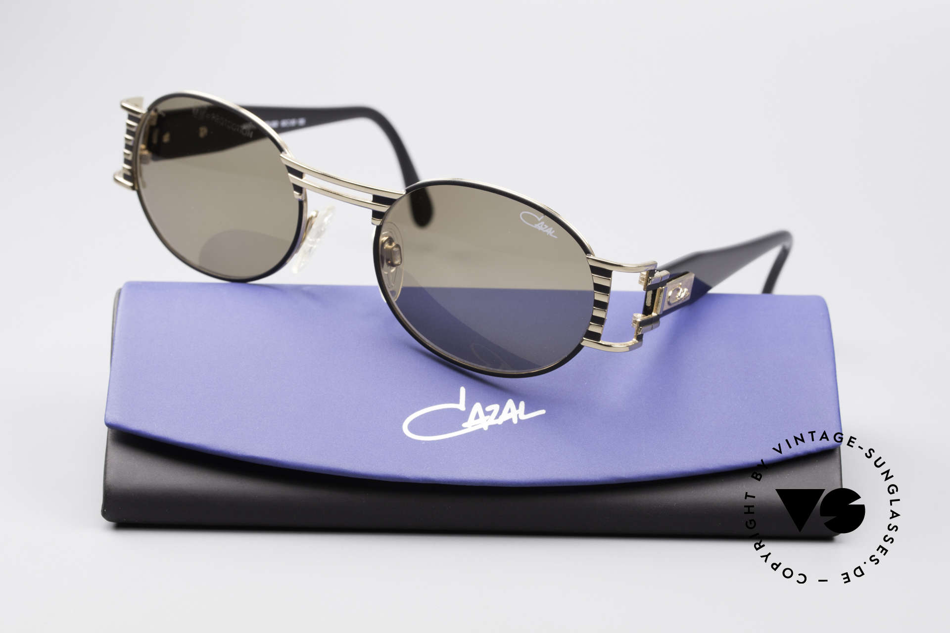 Cazal 976 90's Vintage Sunglasses Oval, NO retro sunglasses, but an authentic old original, Made for Men and Women