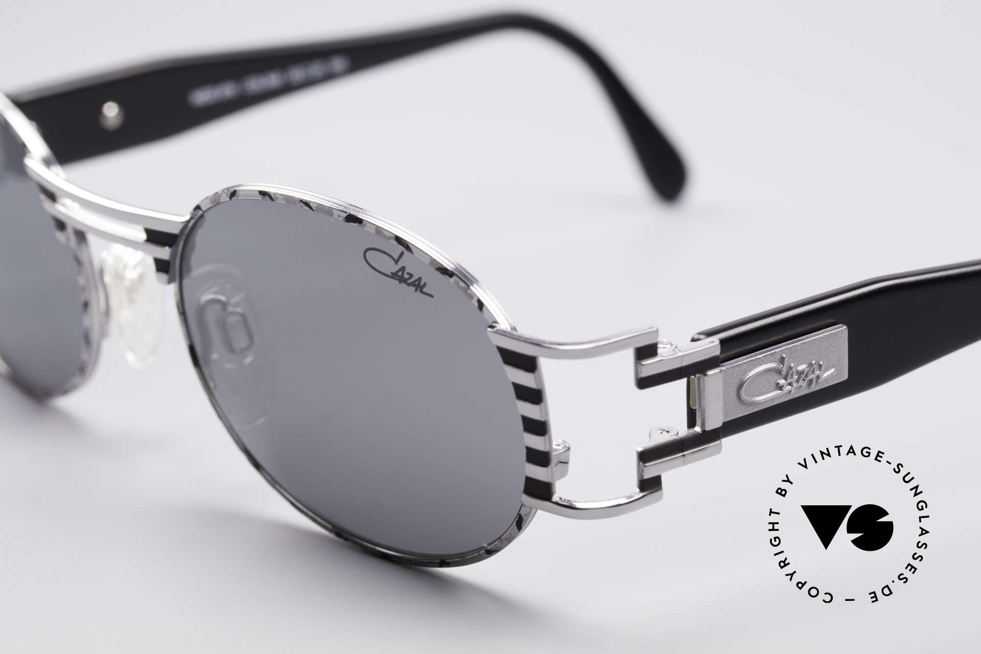 Cazal 976 Vintage Shades Oval Mirrored, mirrored CAZAL lenses with 'UV Protection' mark, Made for Men and Women