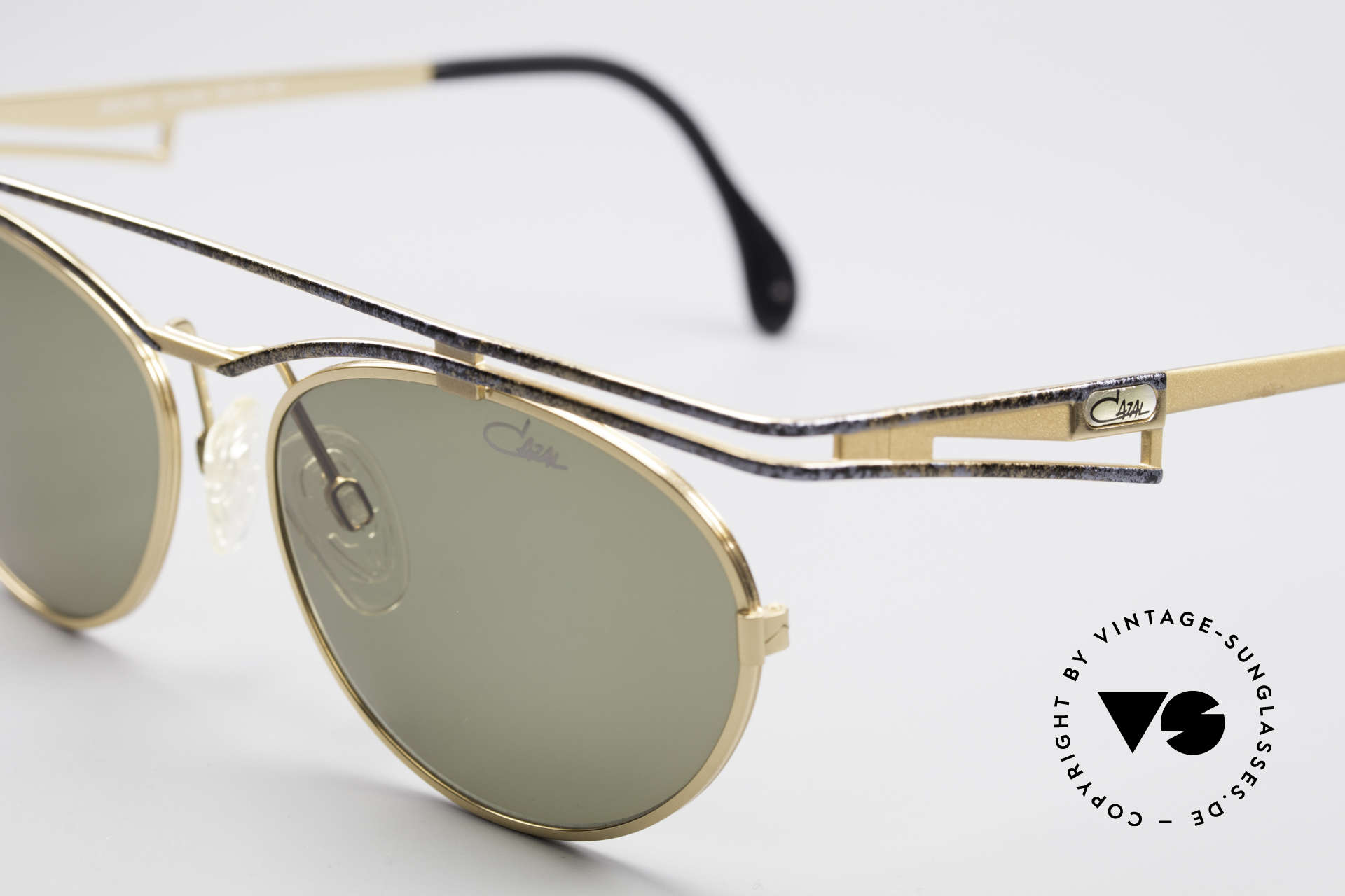 Cazal 970 Extraordinary Shades Women, never worn (like all our rare vintage Cazal sunglasses), Made for Women