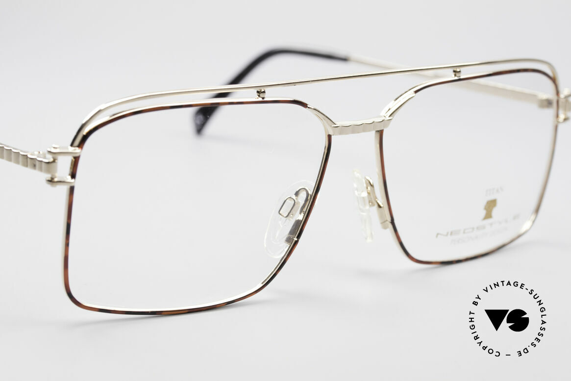 Neostyle Dynasty 424 - XL 80's Titanium Men's Frame, never worn (like all our rare vintage eyeglasses), Made for Men