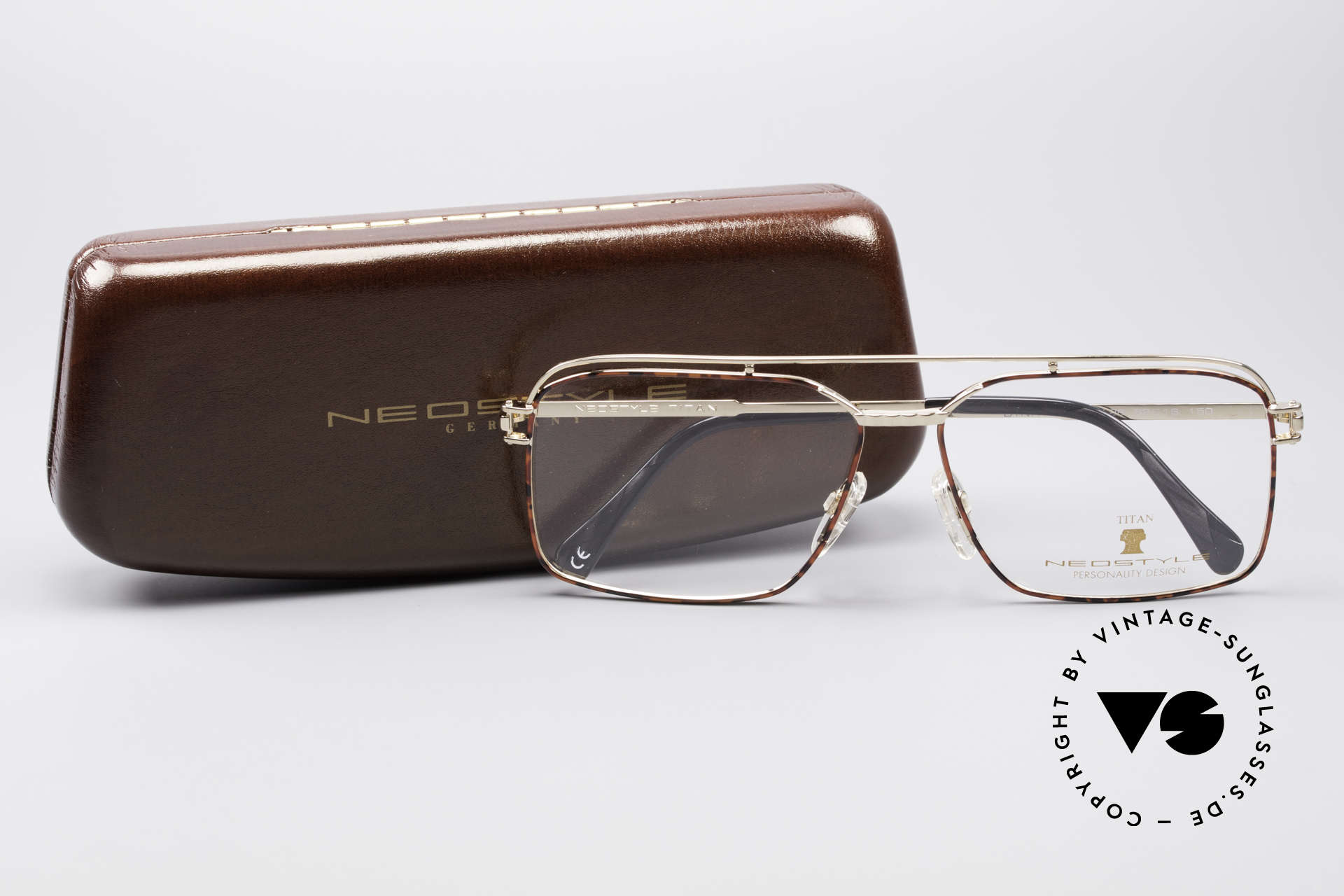 Neostyle Dynasty 424 - XL 80's Titanium Men's Frame, the frame fits lenses of any kind (optical / sun), Made for Men
