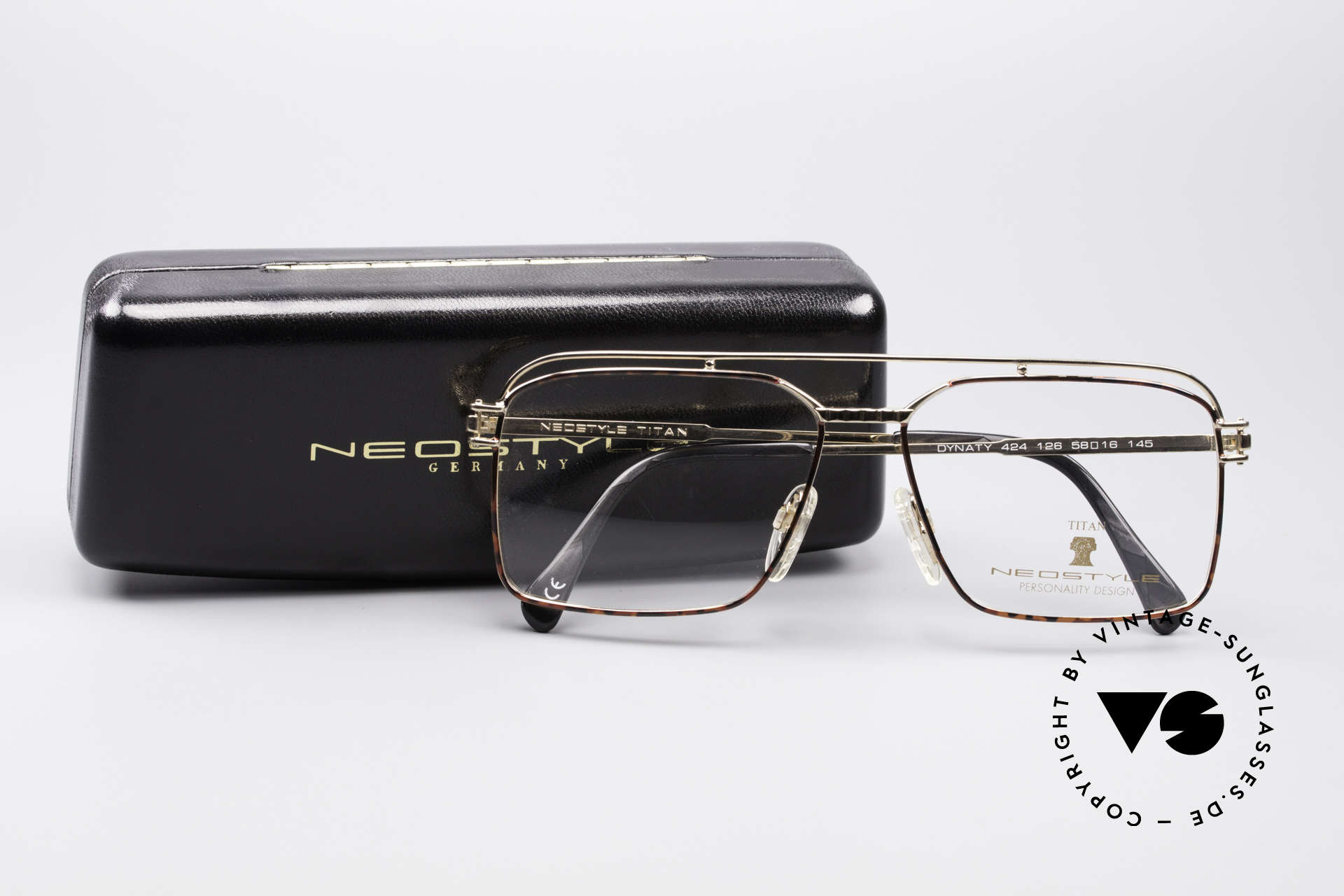 Neostyle Dynasty 424 - L 80's Titanium Men's Frame, the frame fits lenses of any kind (optical / sun), Made for Men