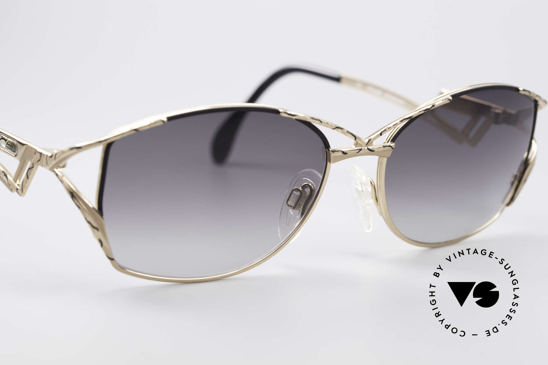 Cazal 284 Luxury Vintage Sunglasses 90's, UNWORN 'made in Germany' glasses in size 56-17, Made for Women