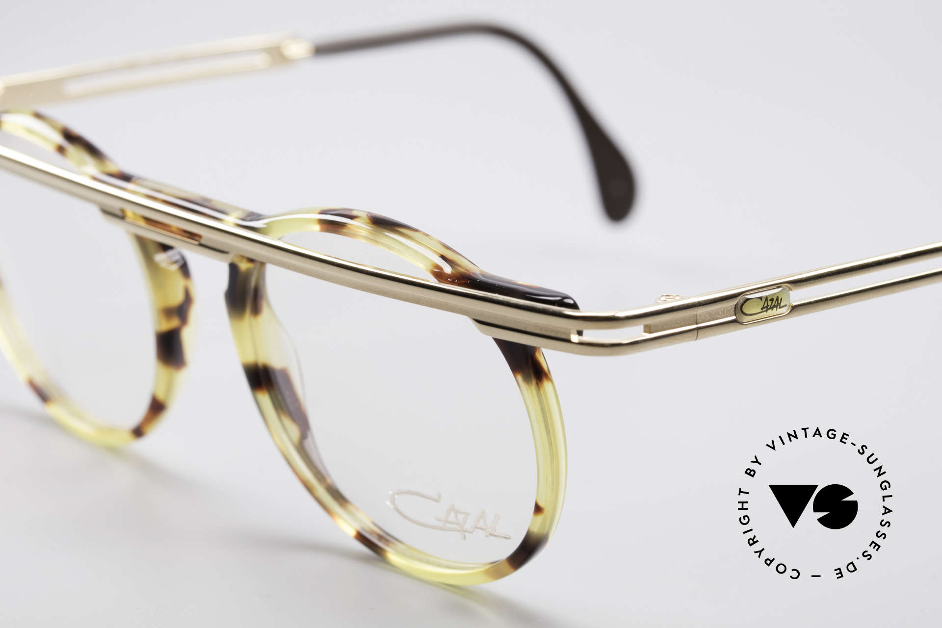 Cazal 648 True 90's Cari Zalloni Glasses, a true 90's masterpiece - just precious and distinctive, Made for Men and Women