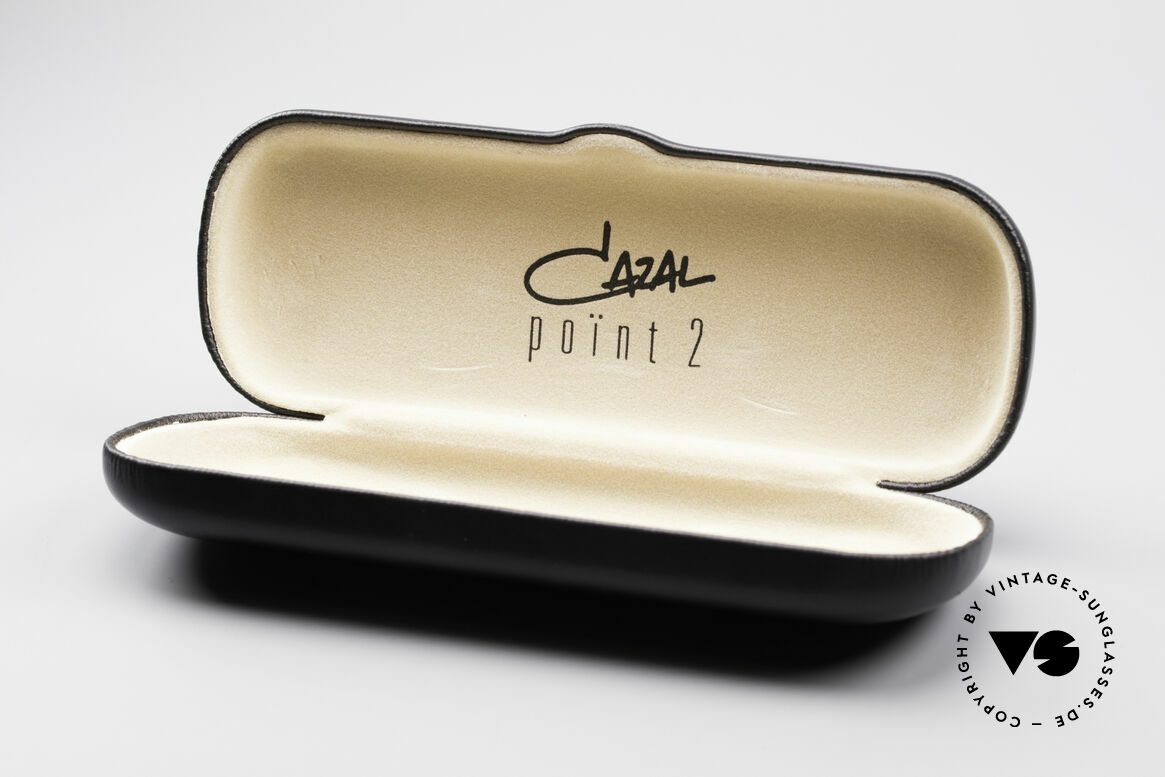 Cazal 1114 - Point 2 Round Oval Vintage Frame