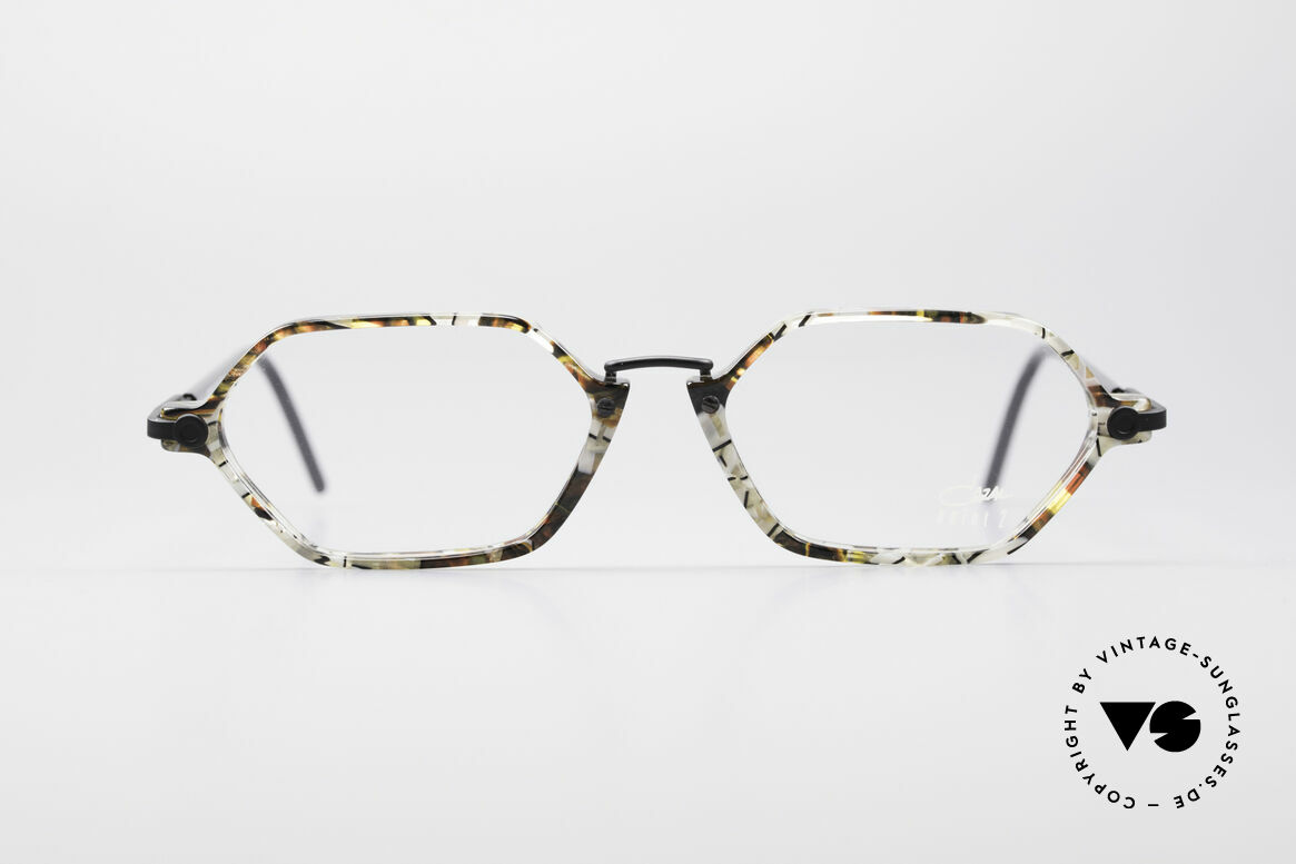 Cazal 1302 - Point 2 Octagonal 90's Eyeglass-Frame, an old original of the discreet 'Point 2' Series from 1999, Made for Men and Women
