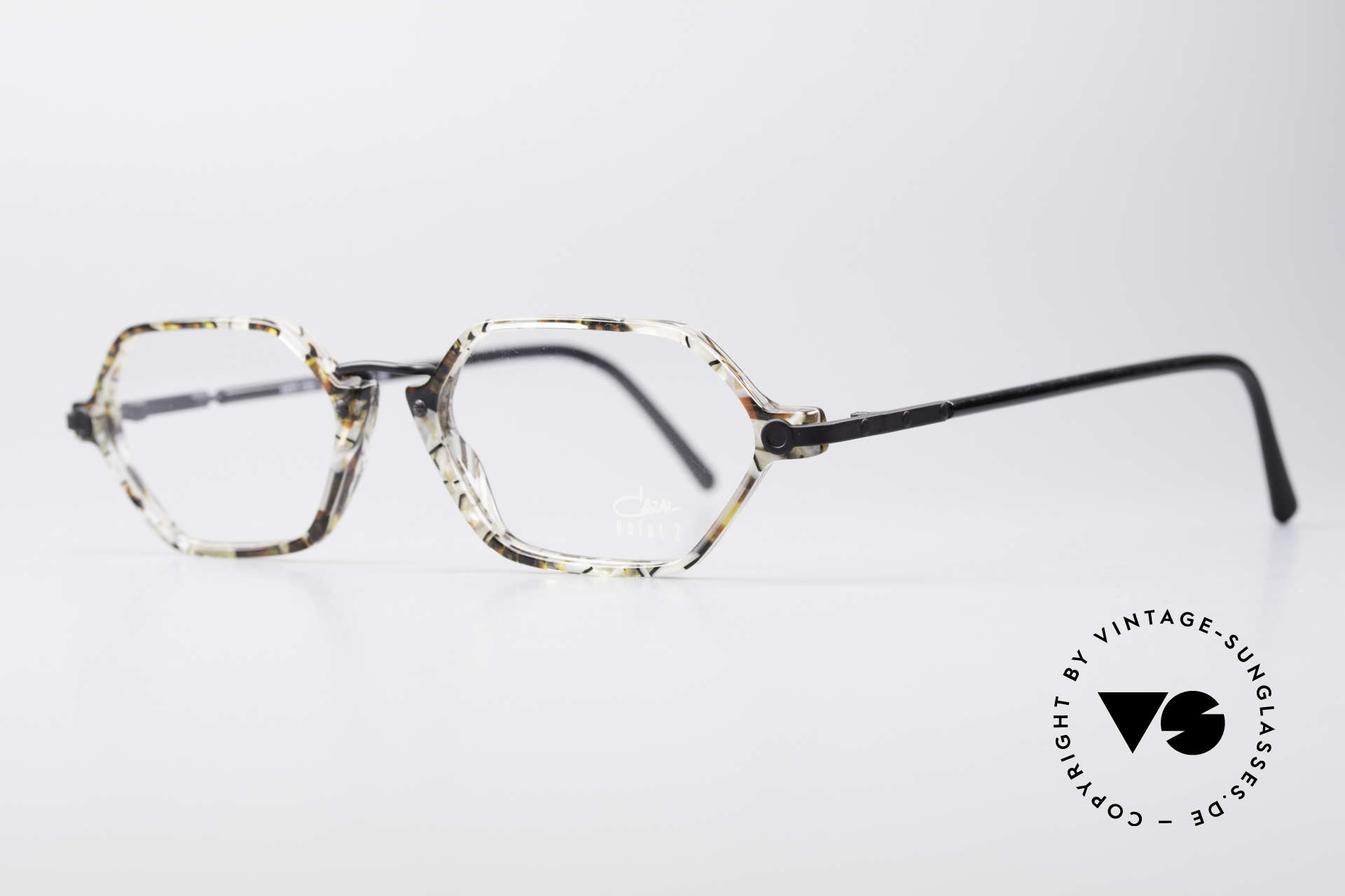 Cazal 1302 - Point 2 Octagonal 90's Eyeglass-Frame, delicate combination of materials and shape (octagonal), Made for Men and Women